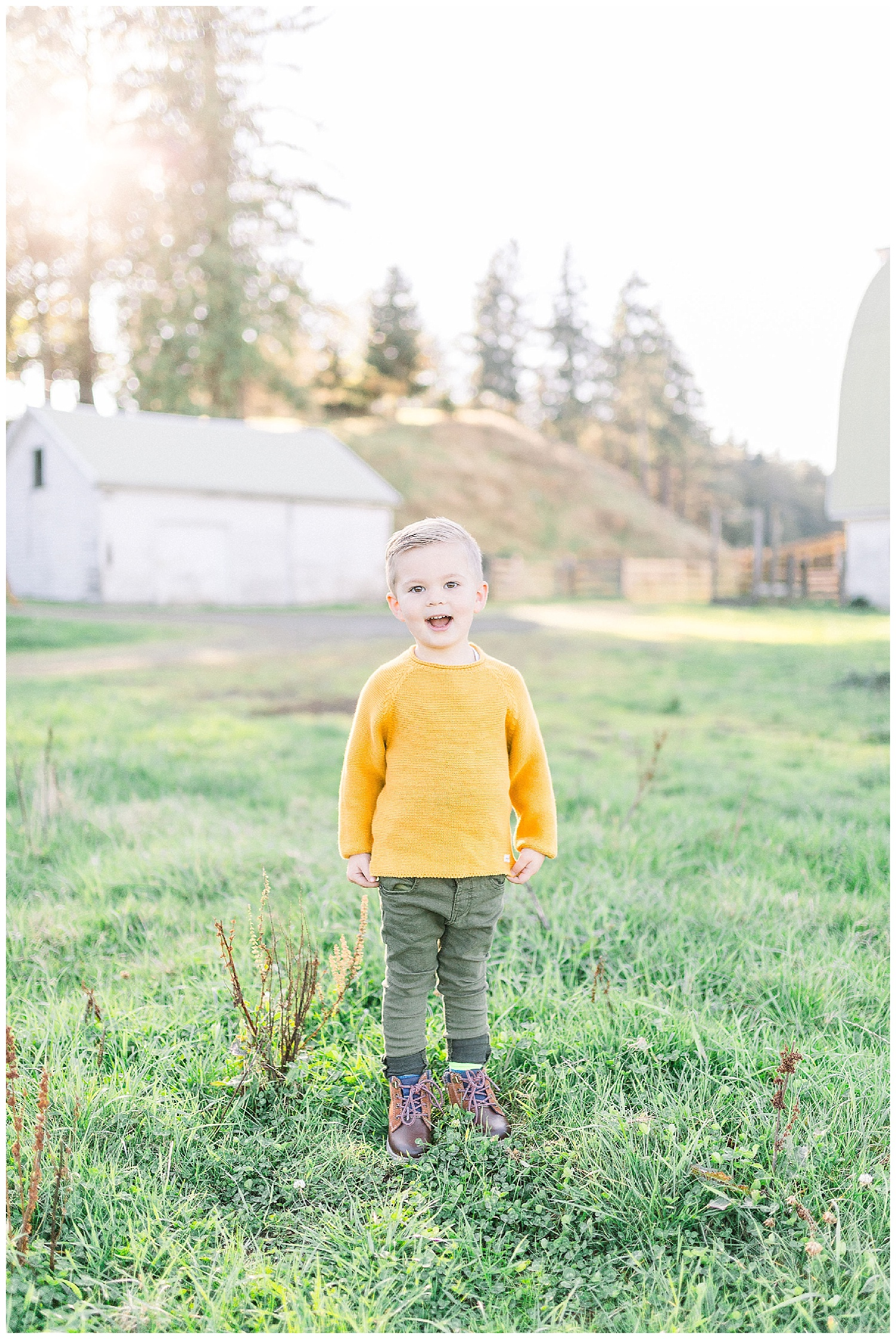 Dreamy Family Session on Rose Ranch | Pacific Northwest Family Session | Light and Airy Photographer | Emma Rose Company Seattle and Portland Wedding Photographer_0004.jpg