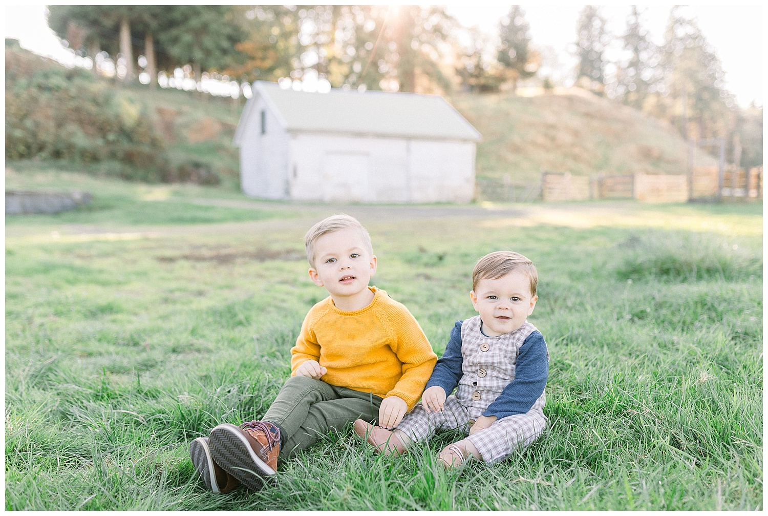 Dreamy Family Session on Rose Ranch | Pacific Northwest Family Session | Light and Airy Photographer | Emma Rose Company Seattle and Portland Wedding Photographer_0013.jpg
