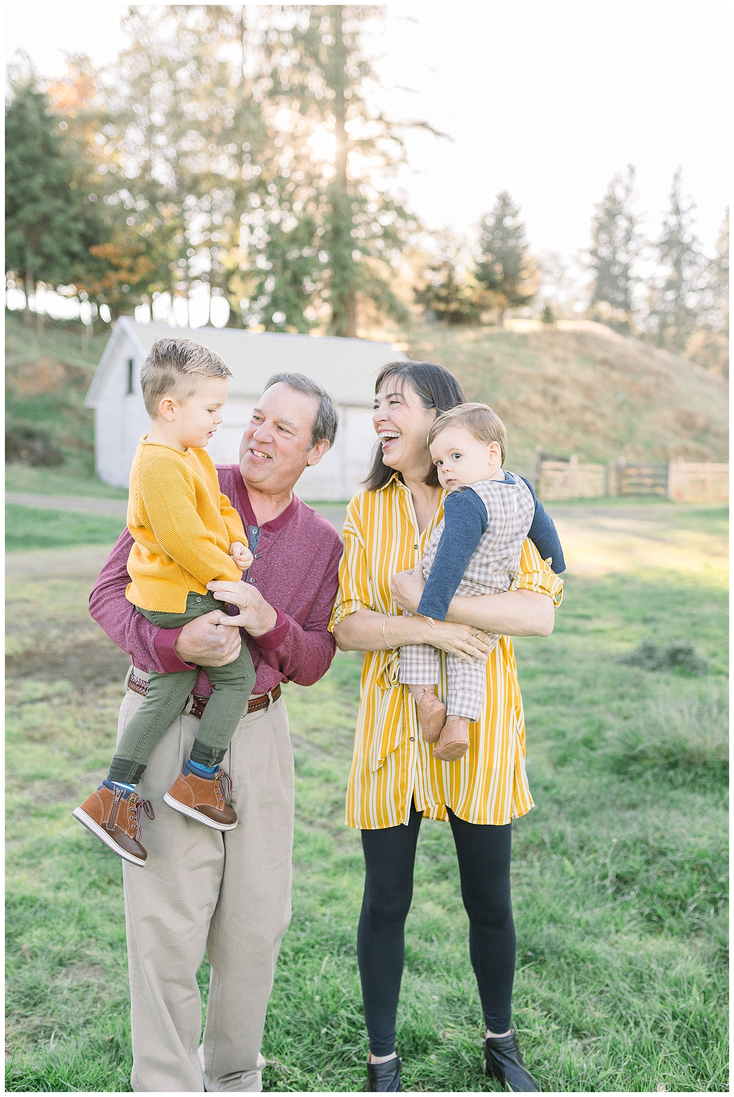 Dreamy Family Session on Rose Ranch | Pacific Northwest Family Session | Light and Airy Photographer | Emma Rose Company Seattle and Portland Wedding Photographer_0012.jpg