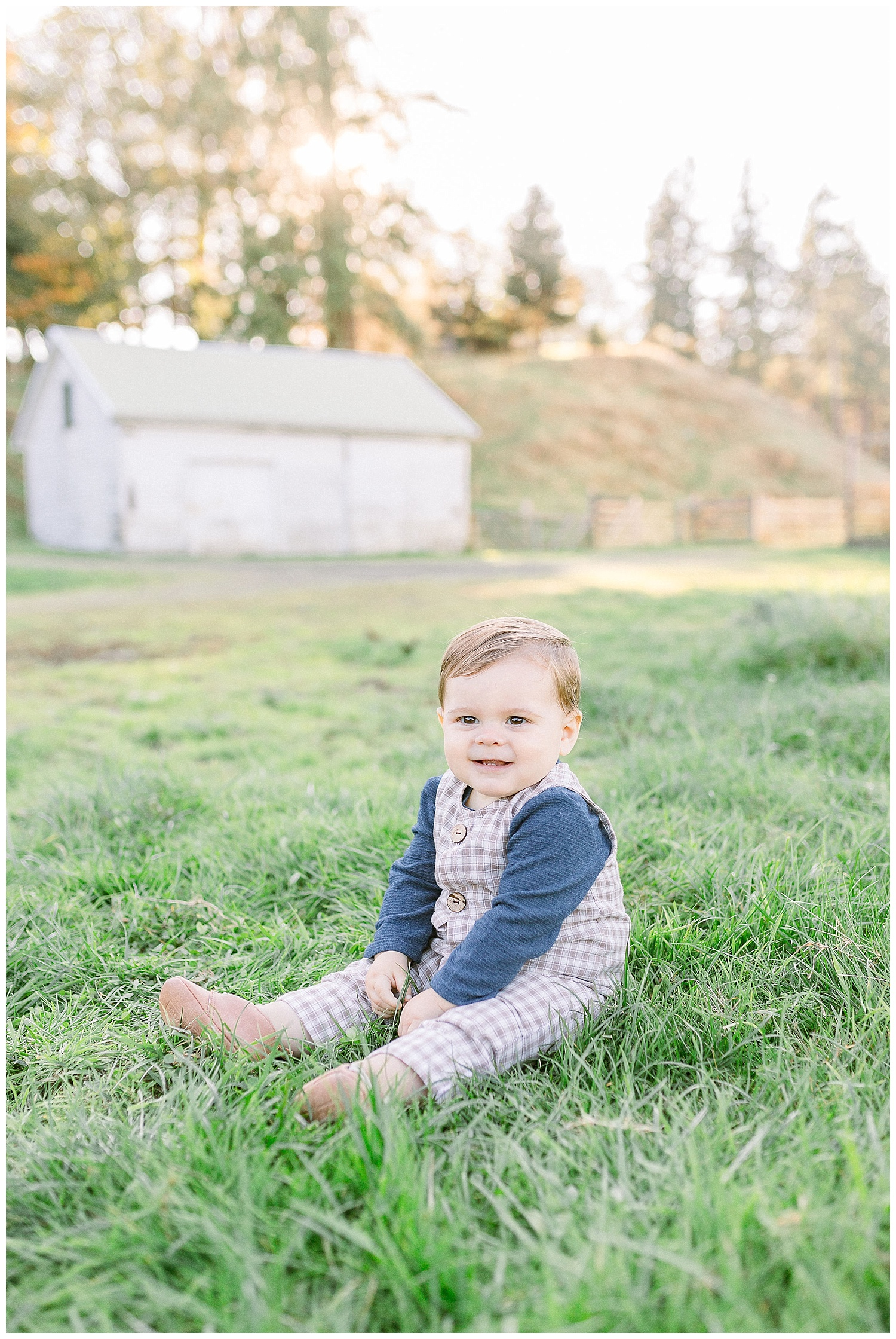 Dreamy Family Session on Rose Ranch | Pacific Northwest Family Session | Light and Airy Photographer | Emma Rose Company Seattle and Portland Wedding Photographer_0016.jpg