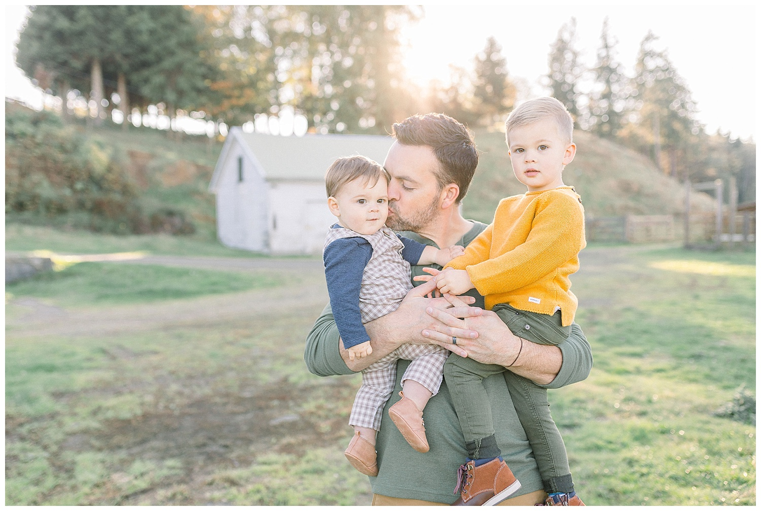 Dreamy Family Session on Rose Ranch | Pacific Northwest Family Session | Light and Airy Photographer | Emma Rose Company Seattle and Portland Wedding Photographer_0025.jpg