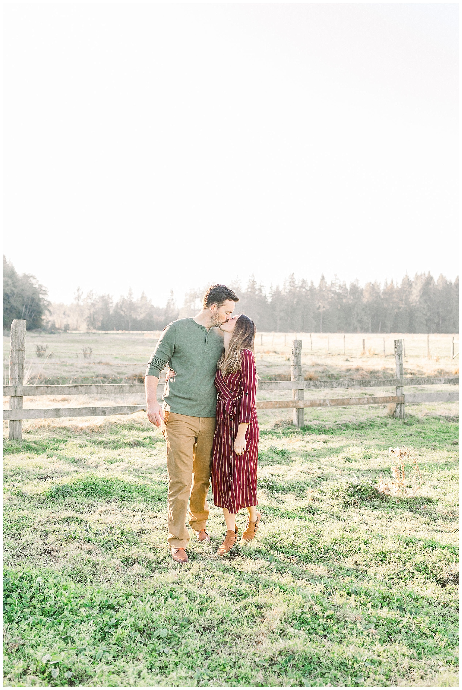 Dreamy Family Session on Rose Ranch | Pacific Northwest Family Session | Light and Airy Photographer | Emma Rose Company Seattle and Portland Wedding Photographer_0039.jpg