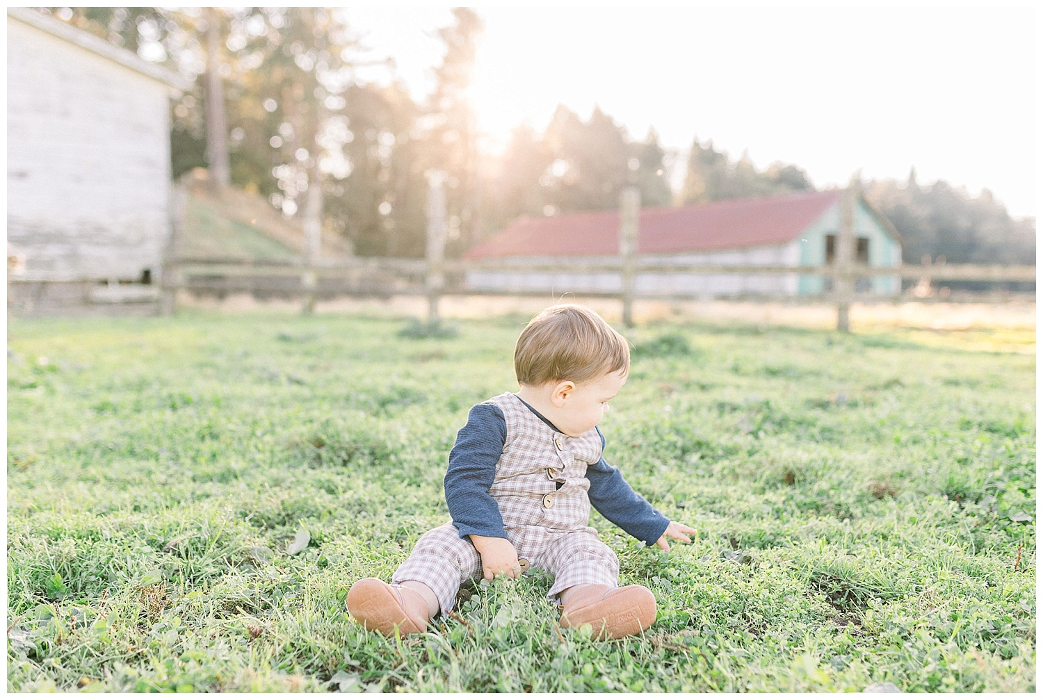 Dreamy Family Session on Rose Ranch | Pacific Northwest Family Session | Light and Airy Photographer | Emma Rose Company Seattle and Portland Wedding Photographer_0041.jpg