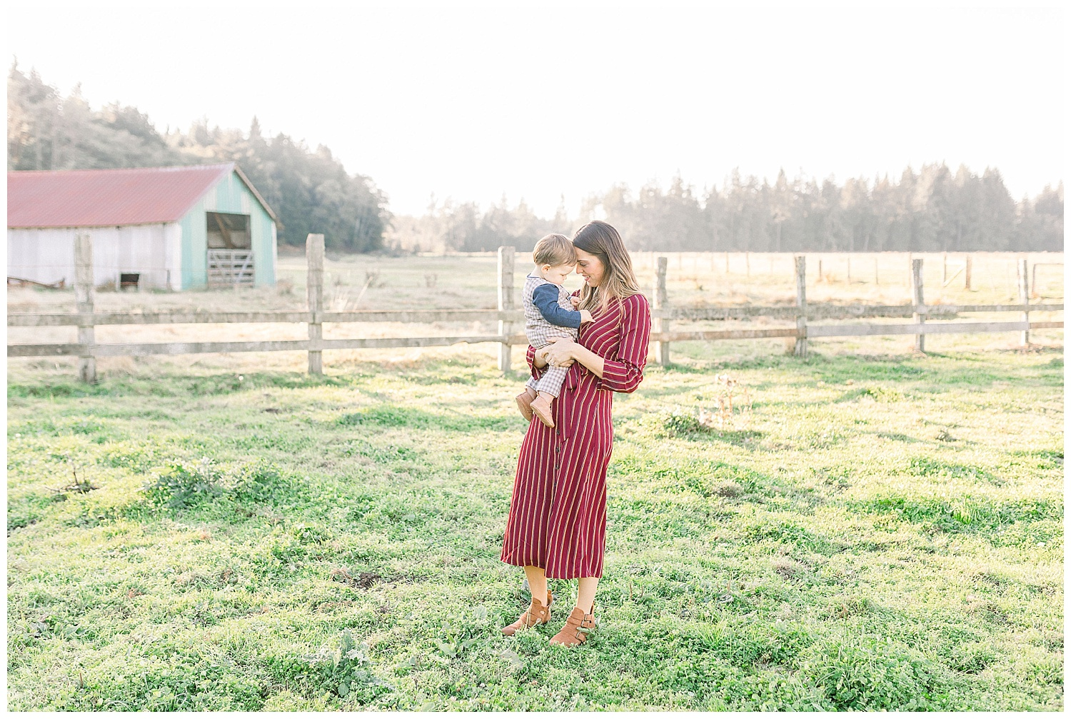 Dreamy Family Session on Rose Ranch | Pacific Northwest Family Session | Light and Airy Photographer | Emma Rose Company Seattle and Portland Wedding Photographer_0046.jpg