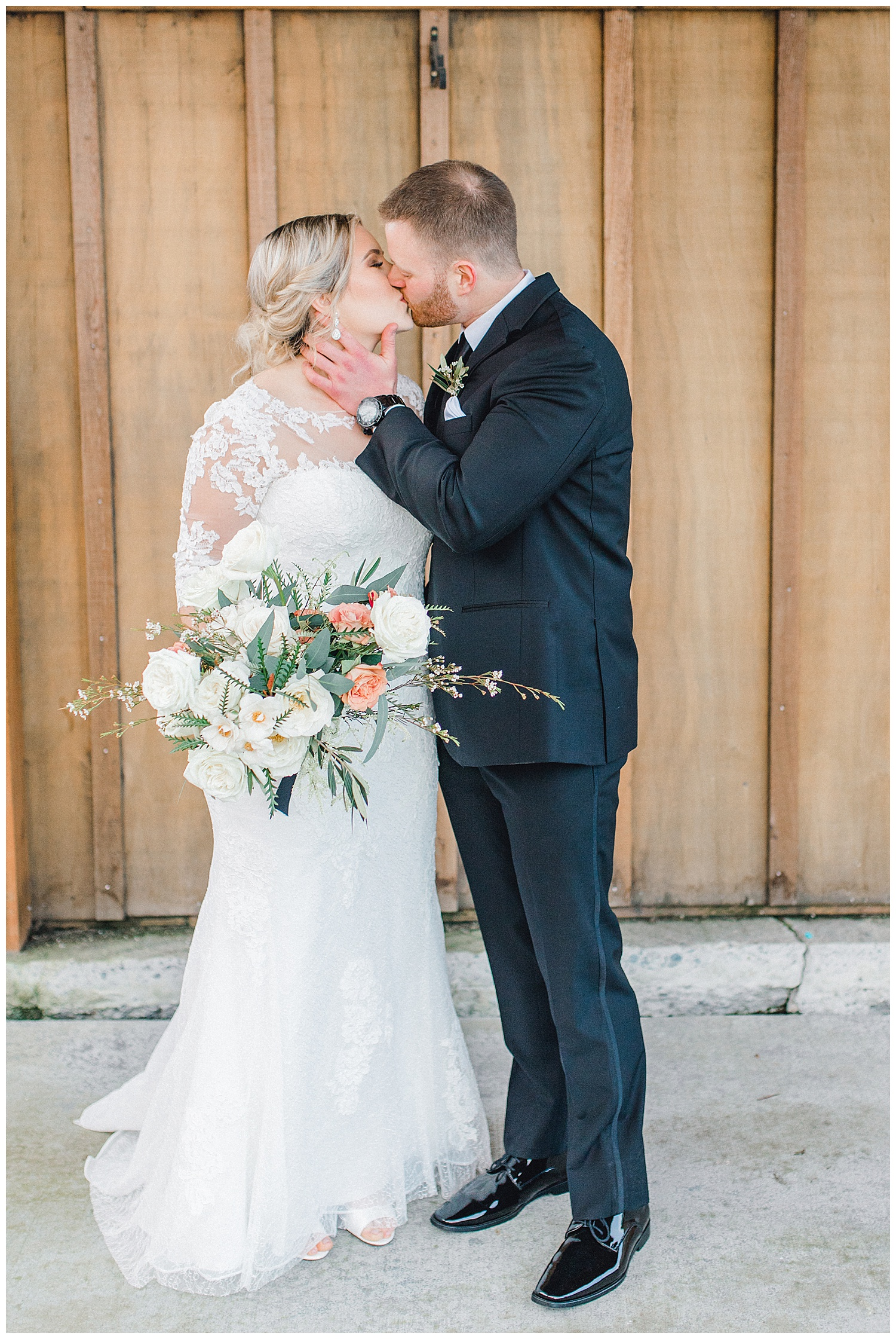 ERC-7154_A beautiful winter wedding in Snohomish, Washington at Thomas Family Farm was simply perfect.  This rustic and modern styled wedding was dripping with romance and photographed by Emma Rose Company, a pacific northwest wedding photographer..jpg