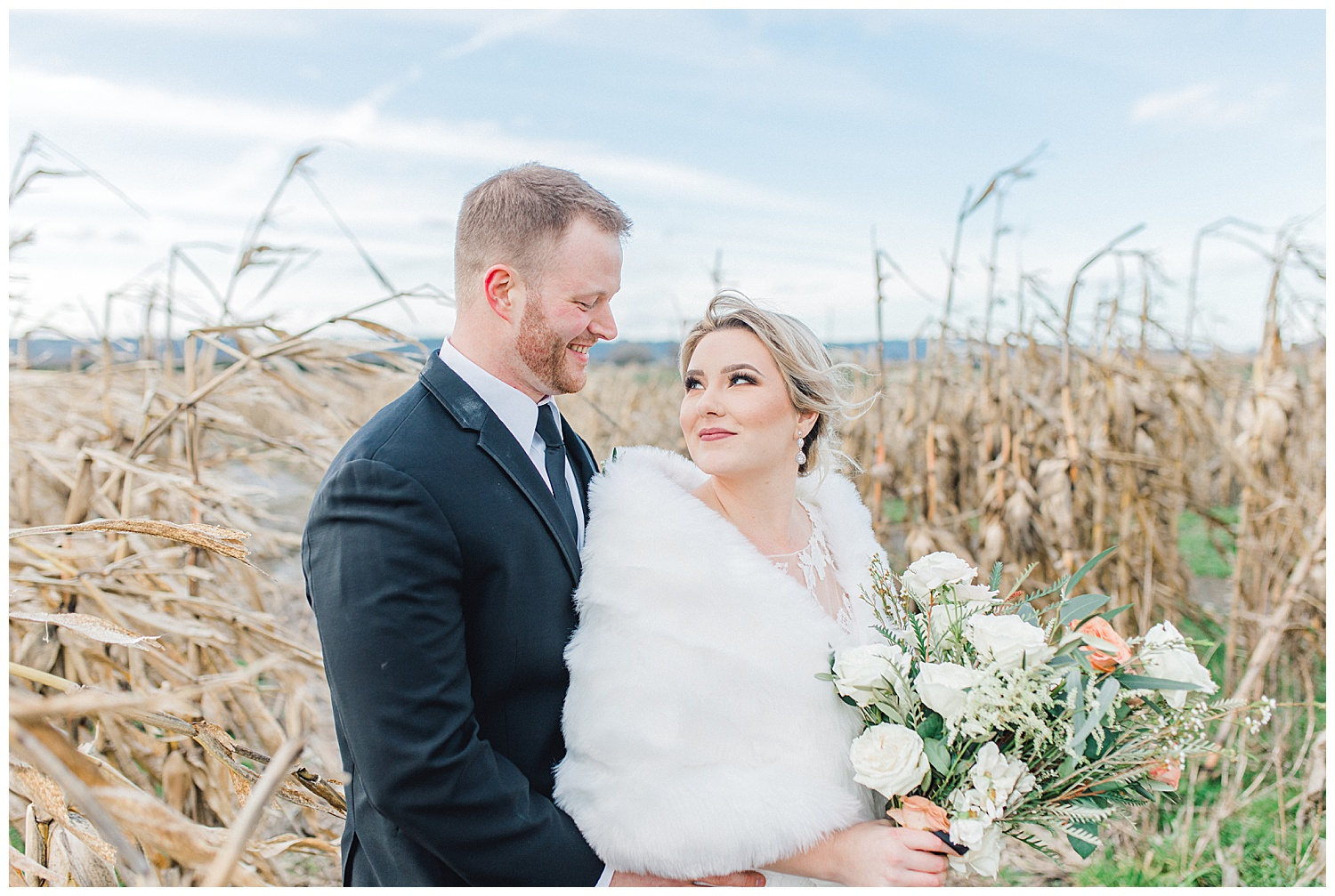 ERC-7506_A beautiful winter wedding in Snohomish, Washington at Thomas Family Farm was simply perfect.  This rustic and modern styled wedding was dripping with romance and photographed by Emma Rose Company, a pacific northwest wedding photographer..jpg