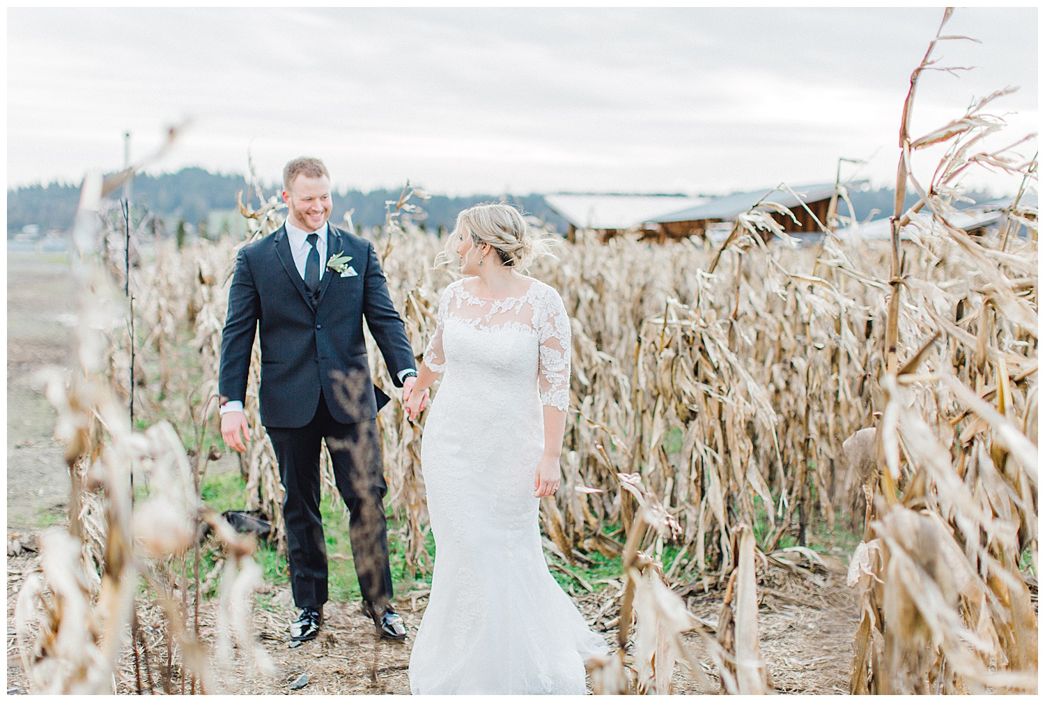 ERC-8931_A beautiful winter wedding in Snohomish, Washington at Thomas Family Farm was simply perfect.  This rustic and modern styled wedding was dripping with romance and photographed by Emma Rose Company, a pacific northwest wedding photographer..jpg