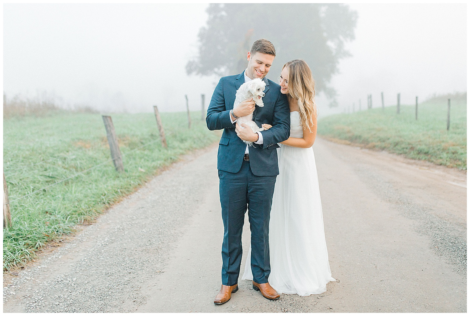 Emma Rose Company recently got to travel all the way to Nashville to photograph the most beautiful post-wedding bride and groom portraits in the Great Smoky Mountains with a gorgeous couple! Nashville wedding inspiration at it's finest._0007.jpg