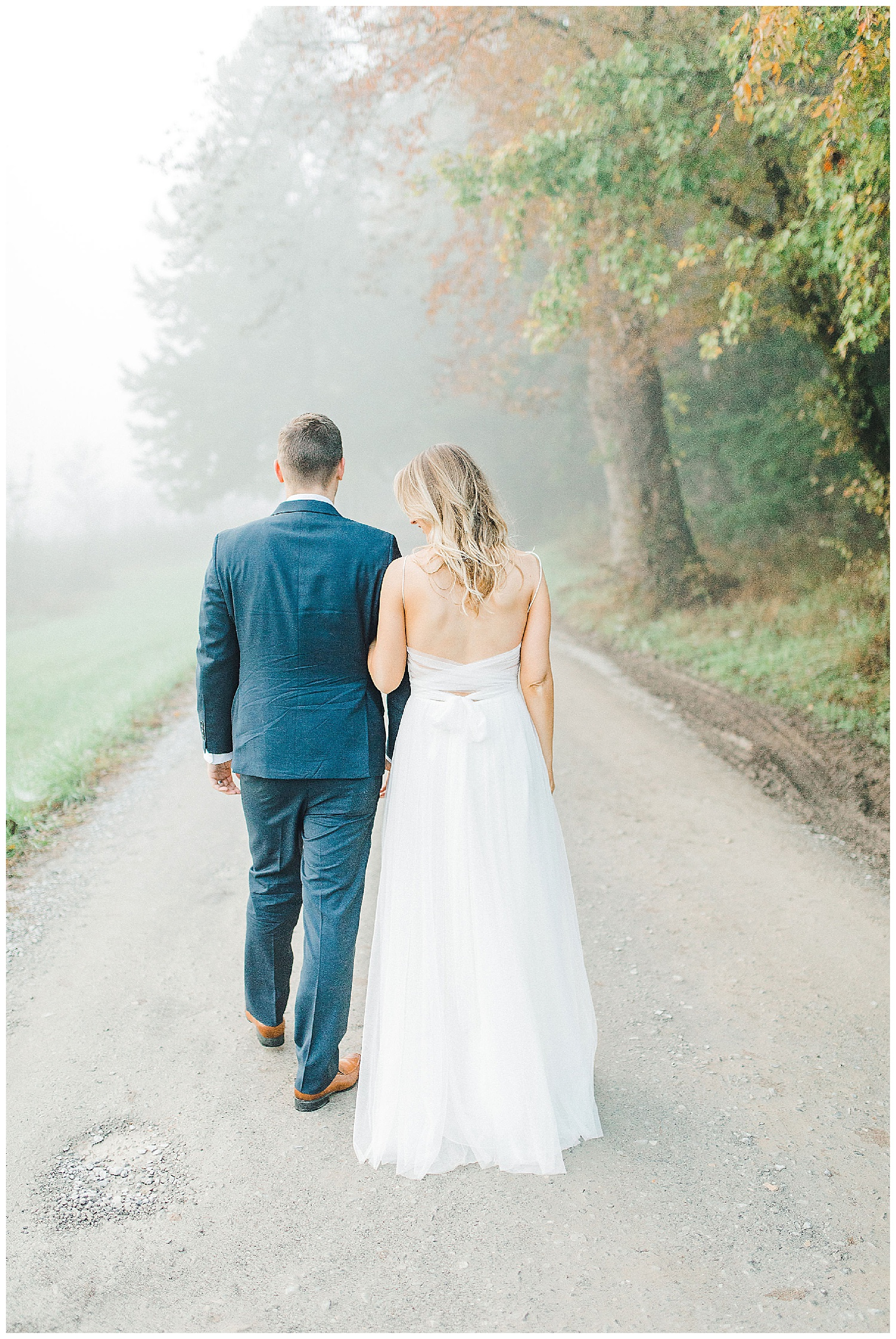 Emma Rose Company recently got to travel all the way to Nashville to photograph the most beautiful post-wedding bride and groom portraits in the Great Smoky Mountains with a gorgeous couple! Nashville wedding inspiration at it's finest._0018.jpg