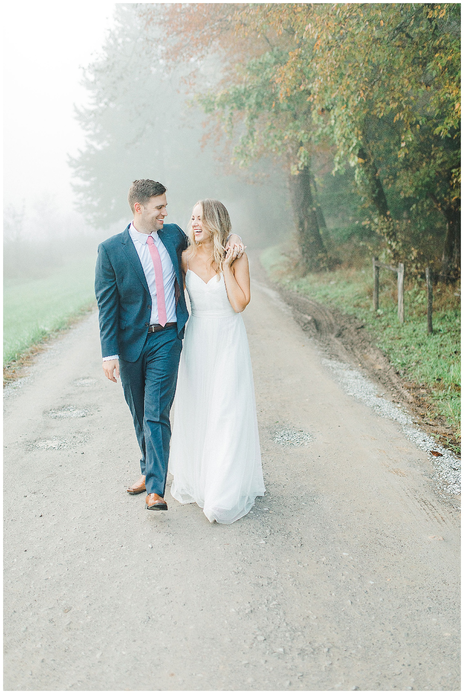 Emma Rose Company recently got to travel all the way to Nashville to photograph the most beautiful post-wedding bride and groom portraits in the Great Smoky Mountains with a gorgeous couple! Nashville wedding inspiration at it's finest._0021.jpg