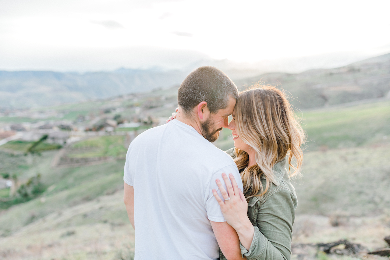 Pacific Northwest Engagement Session in the Sagebrush with Emma Rose Company who is a light and airy wedding photographer based in Seattle, Washington