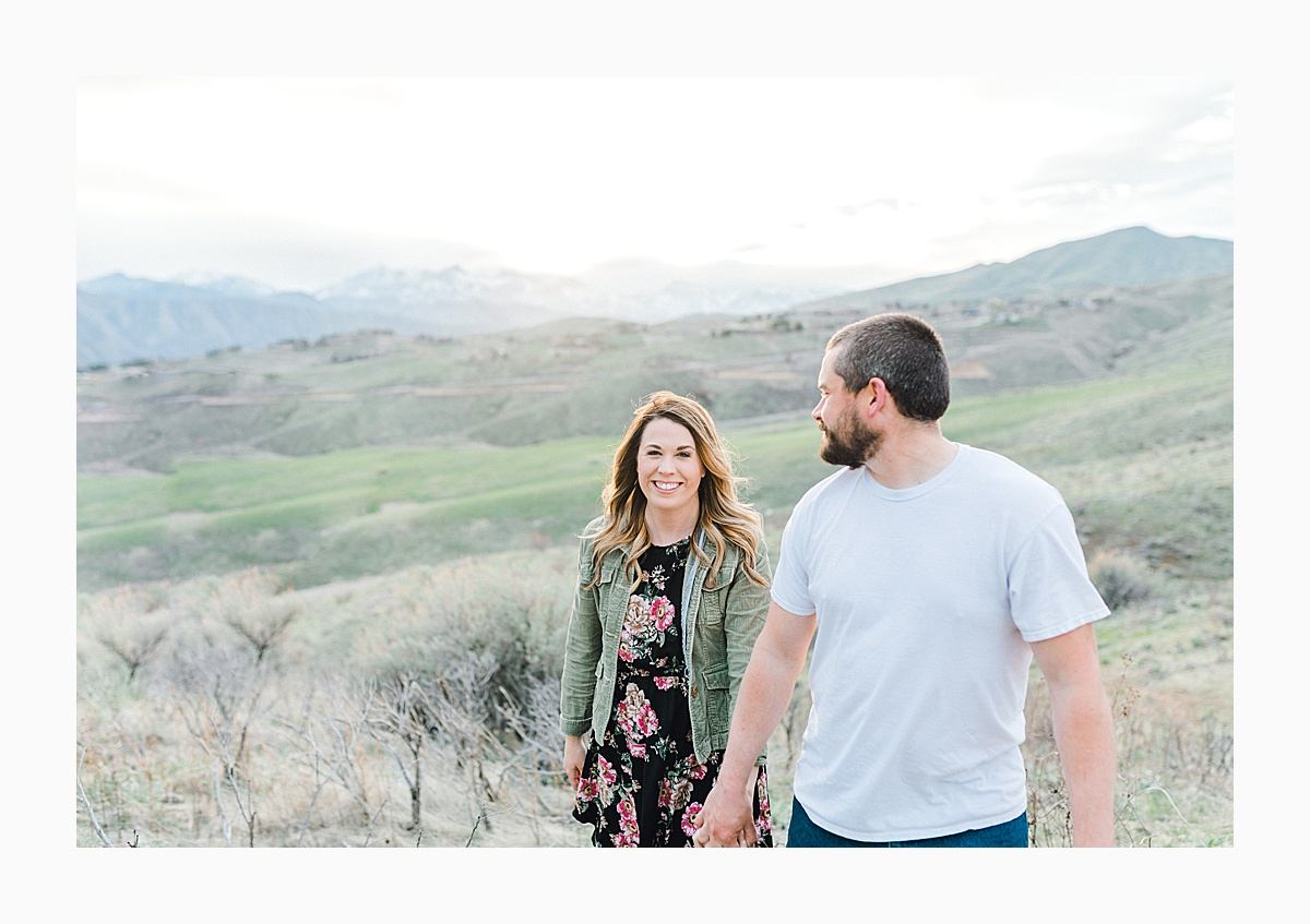 Pacific Northwest Engagement Session in the Sagebrush with Emma Rose Company who is a light and airy wedding photographer based in Seattle, Washington_0025.jpg