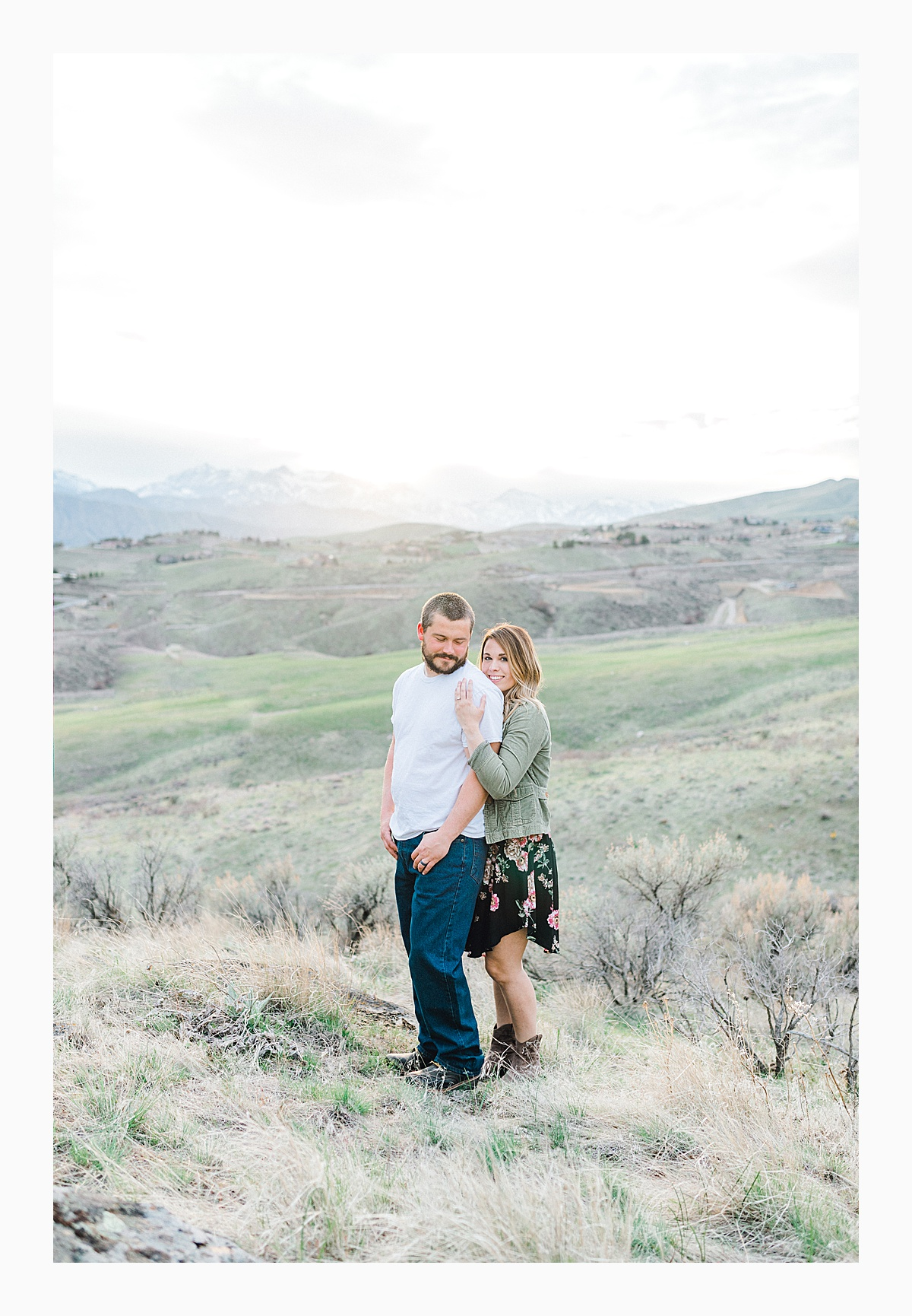 Pacific Northwest Engagement Session in the Sagebrush with Emma Rose Company who is a light and airy wedding photographer based in Seattle, Washington_0028.jpg