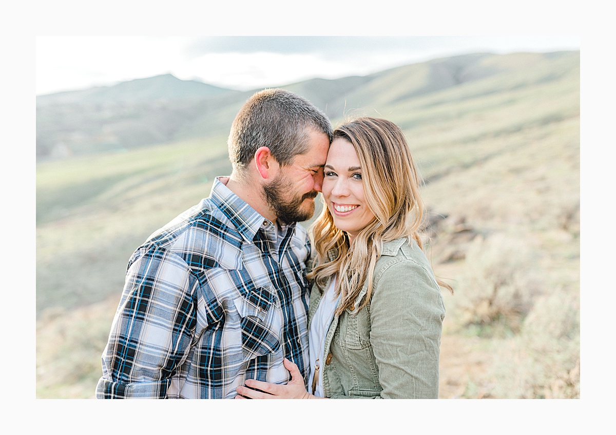 Pacific Northwest Engagement Session in the Sagebrush with Emma Rose Company who is a light and airy wedding photographer based in Seattle, Washington_0036.jpg