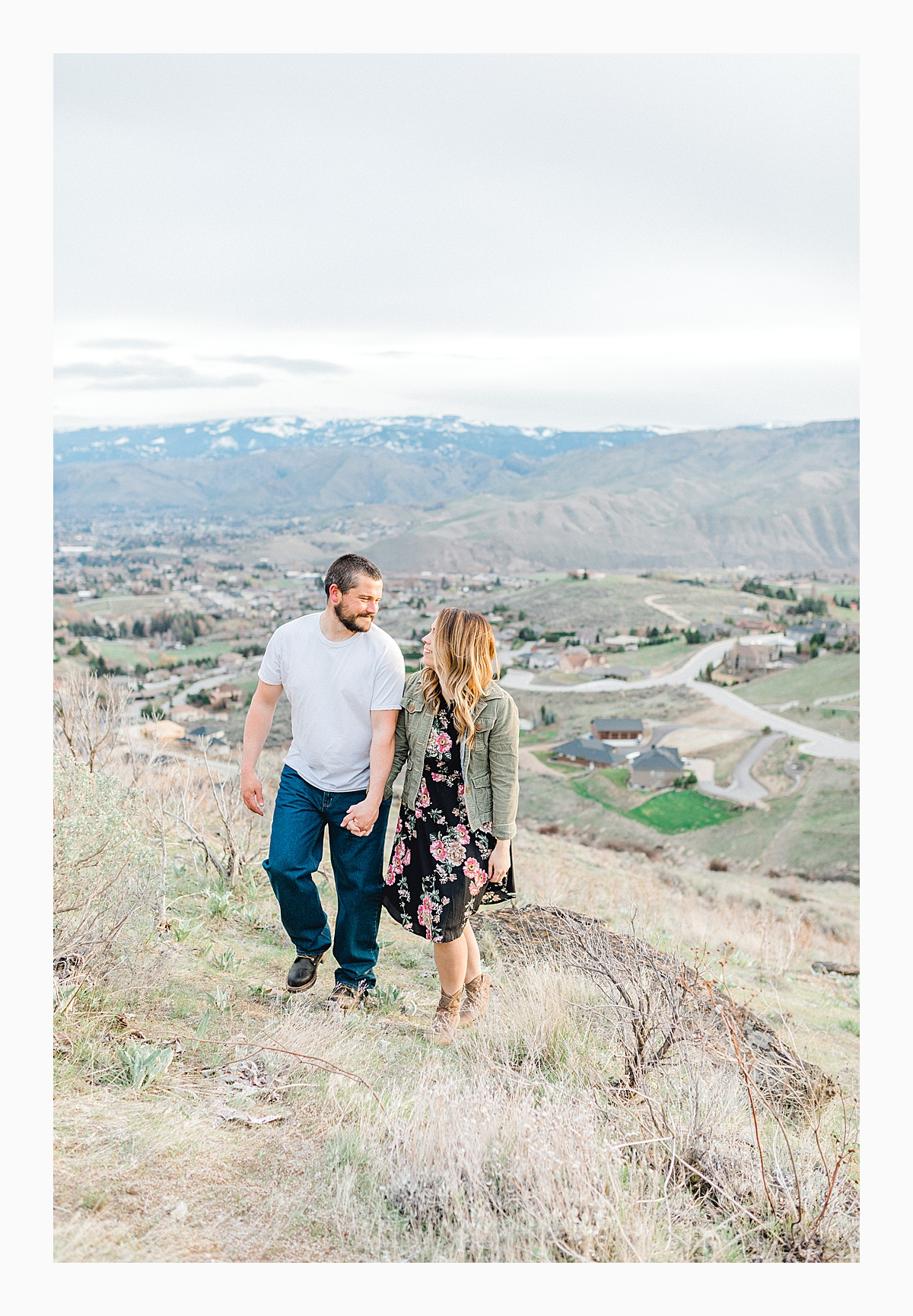 Pacific Northwest Engagement Session in the Sagebrush with Emma Rose Company who is a light and airy wedding photographer based in Seattle, Washington_0042.jpg