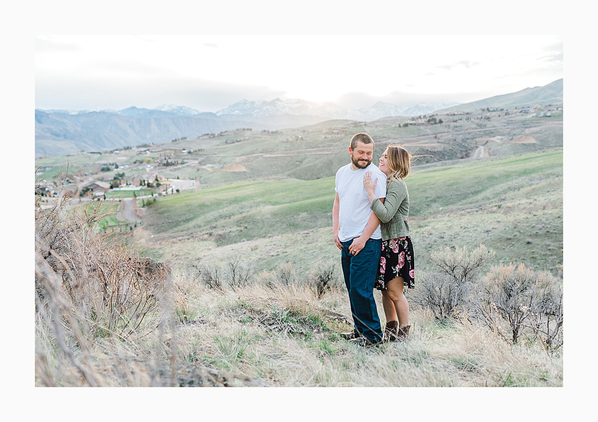 Pacific Northwest Engagement Session in the Sagebrush with Emma Rose Company who is a light and airy wedding photographer based in Seattle, Washington_0043.jpg