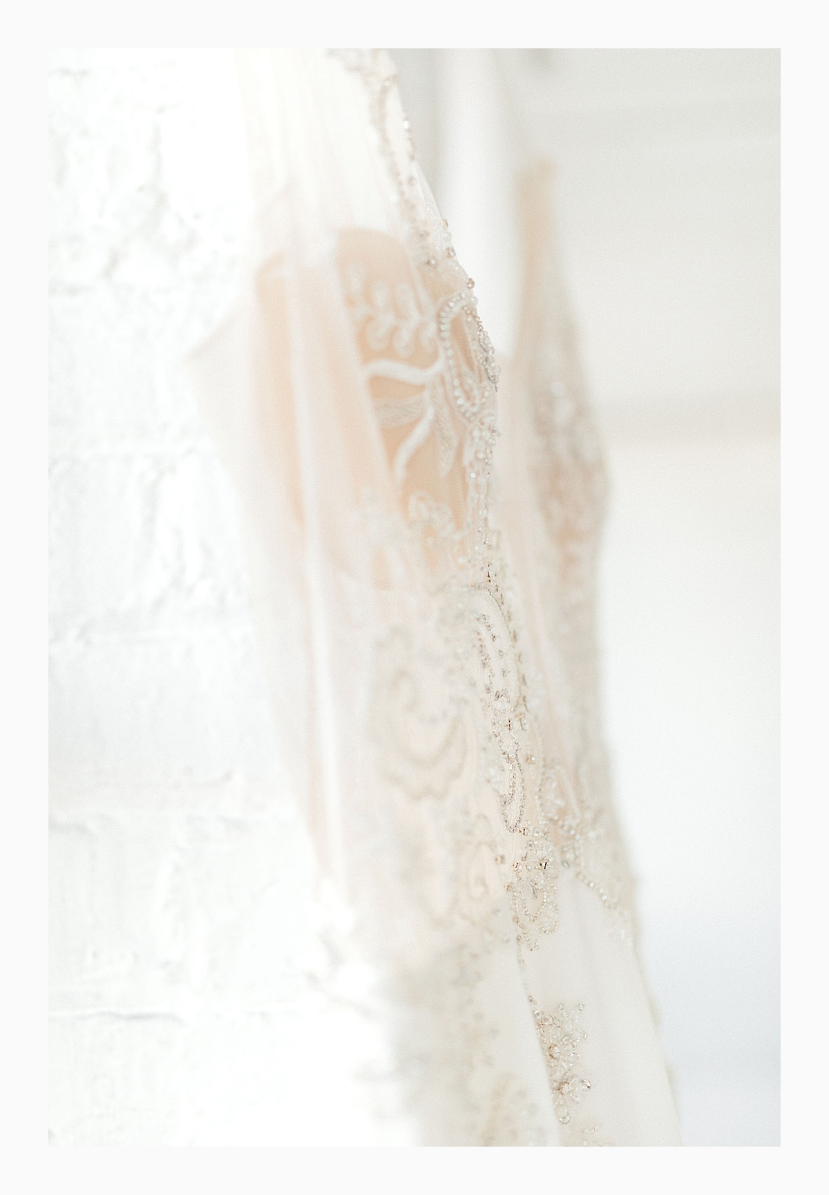 The Bemis Building in downtown Seattle is one of my favorite places to use for photo shoots!  This styled bridal shoot with touches of peach and white was dreamy.  #emmarosecompany #kindredpresets #seattlebride_0010.jpg