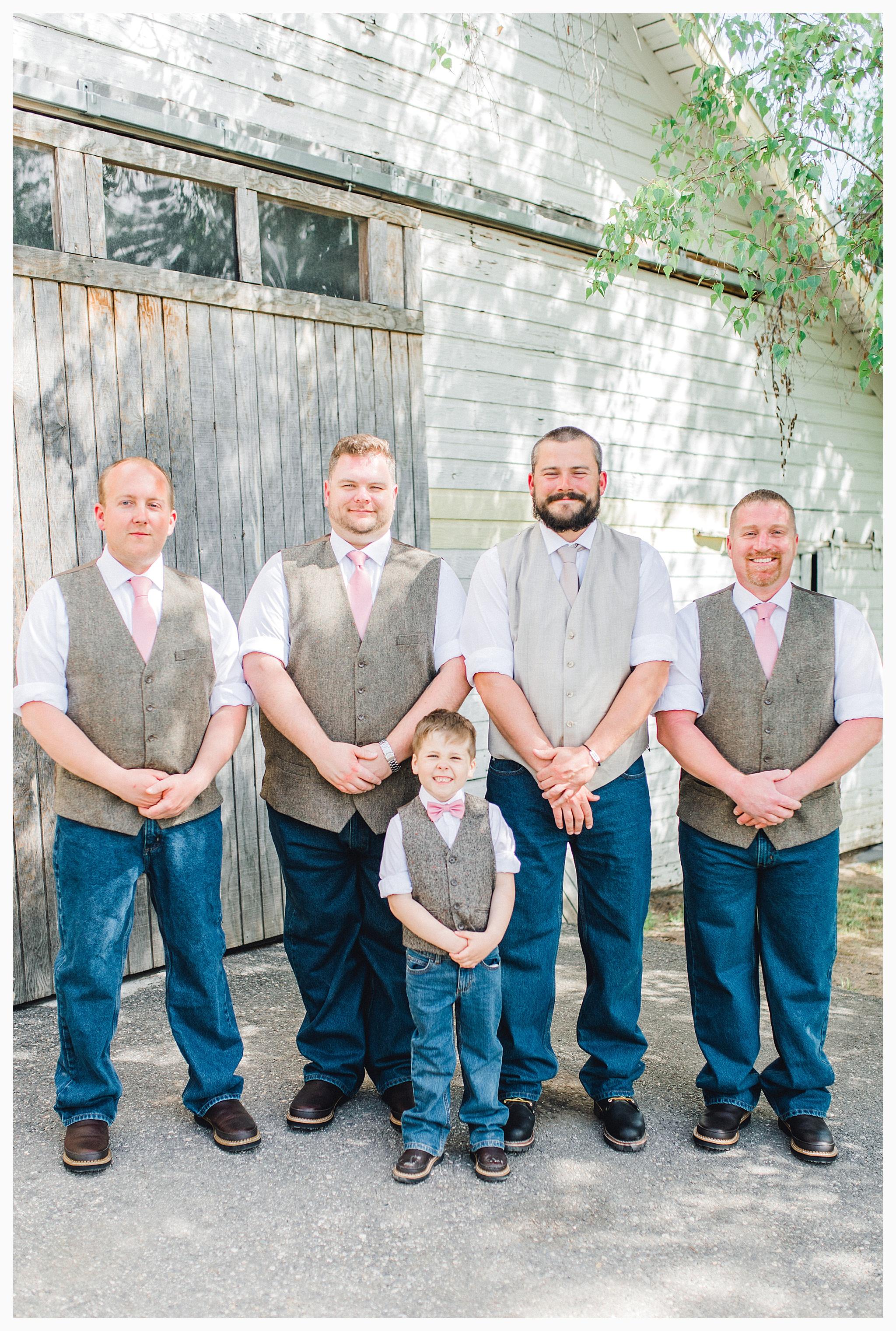 Rustic barn wedding in Wenatchee Washington at Sunshine Ranch on Easy Street, Emma Rose Company Seattle PNW Light and Airy Wedding Photographer_0053.jpg