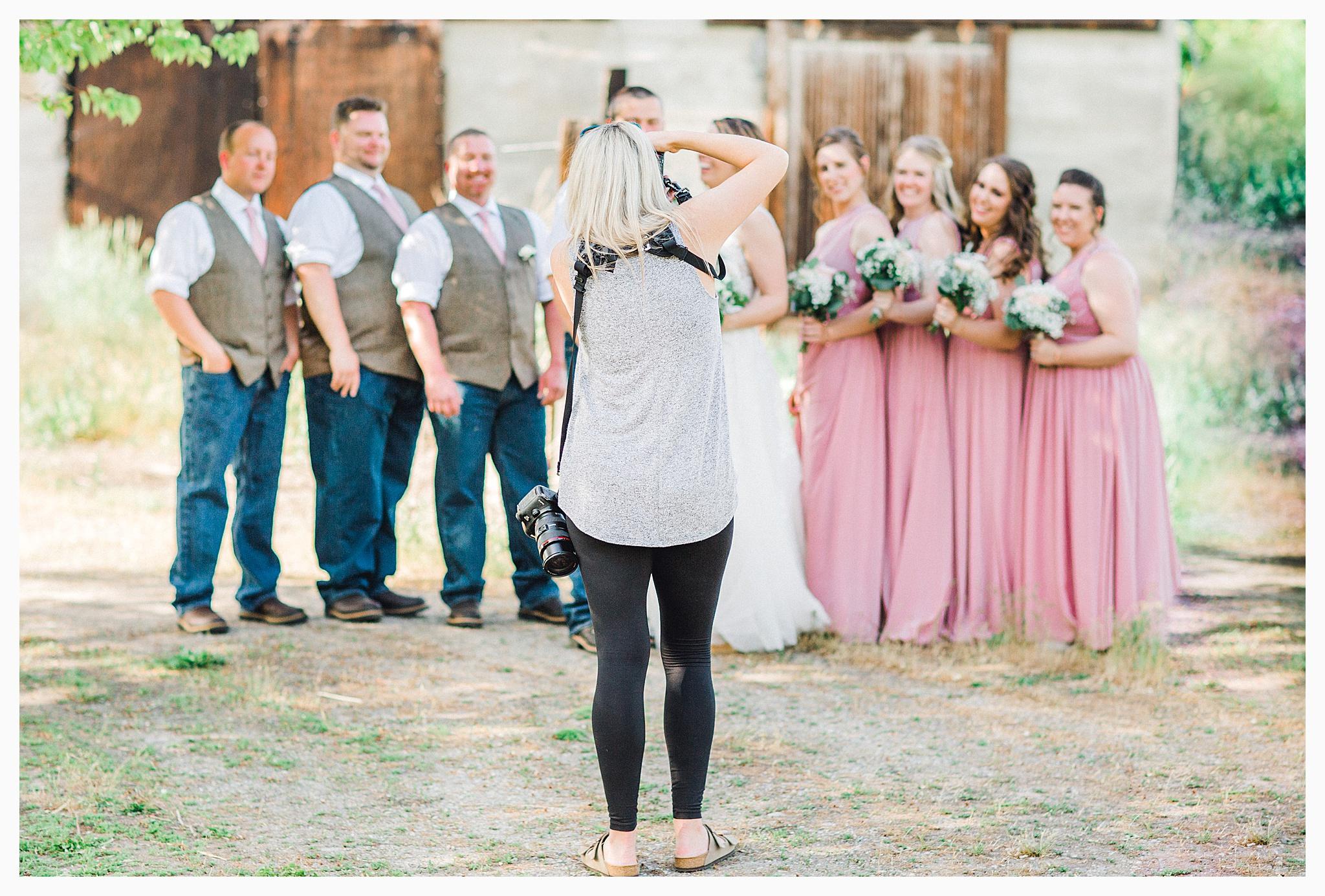 Rustic barn wedding in Wenatchee Washington at Sunshine Ranch on Easy Street, Emma Rose Company Seattle PNW Light and Airy Wedding Photographer_0094.jpg