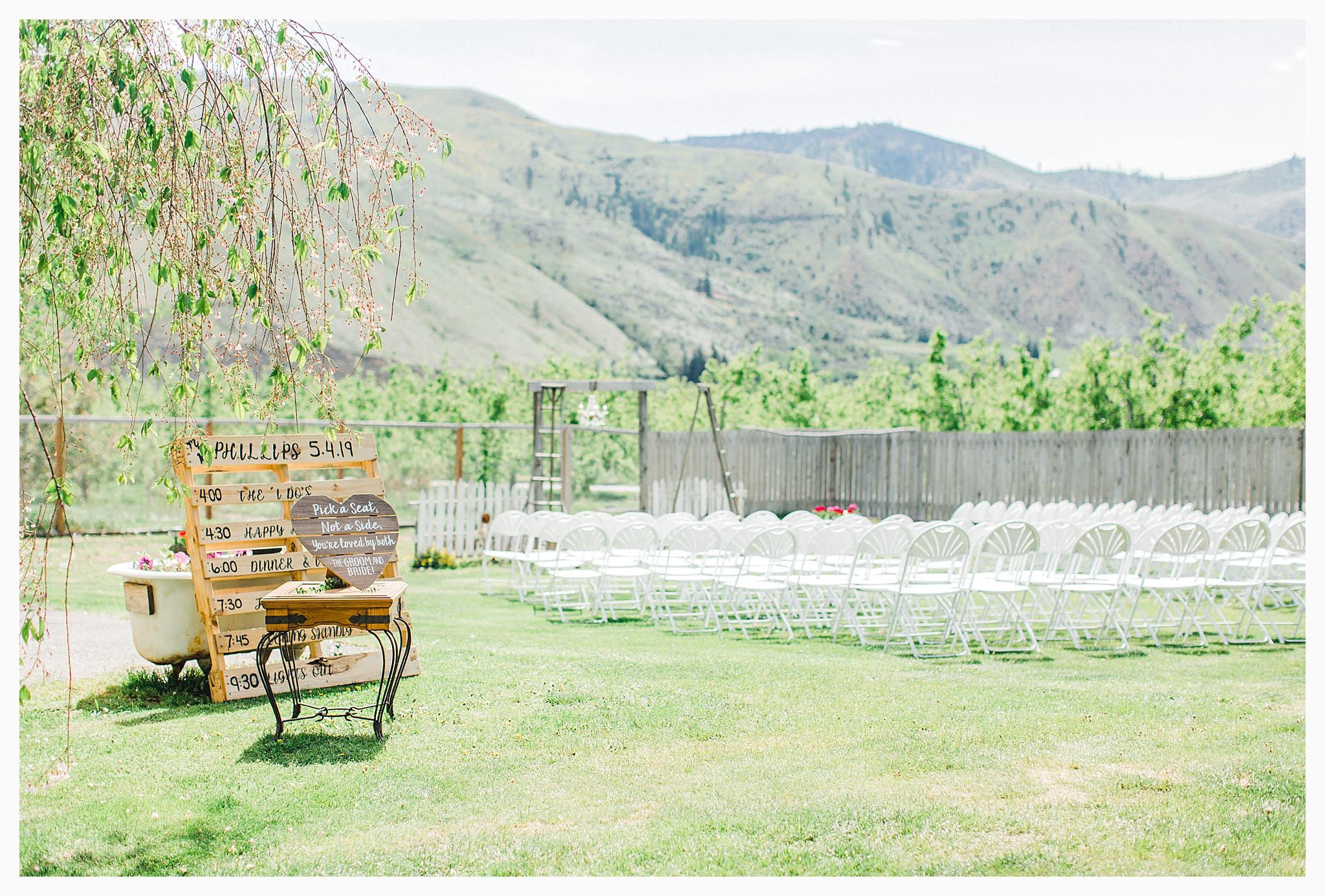 Rustic barn wedding in Wenatchee Washington at Sunshine Ranch on Easy Street, Emma Rose Company Seattle PNW Light and Airy Wedding Photographer_0100.jpg