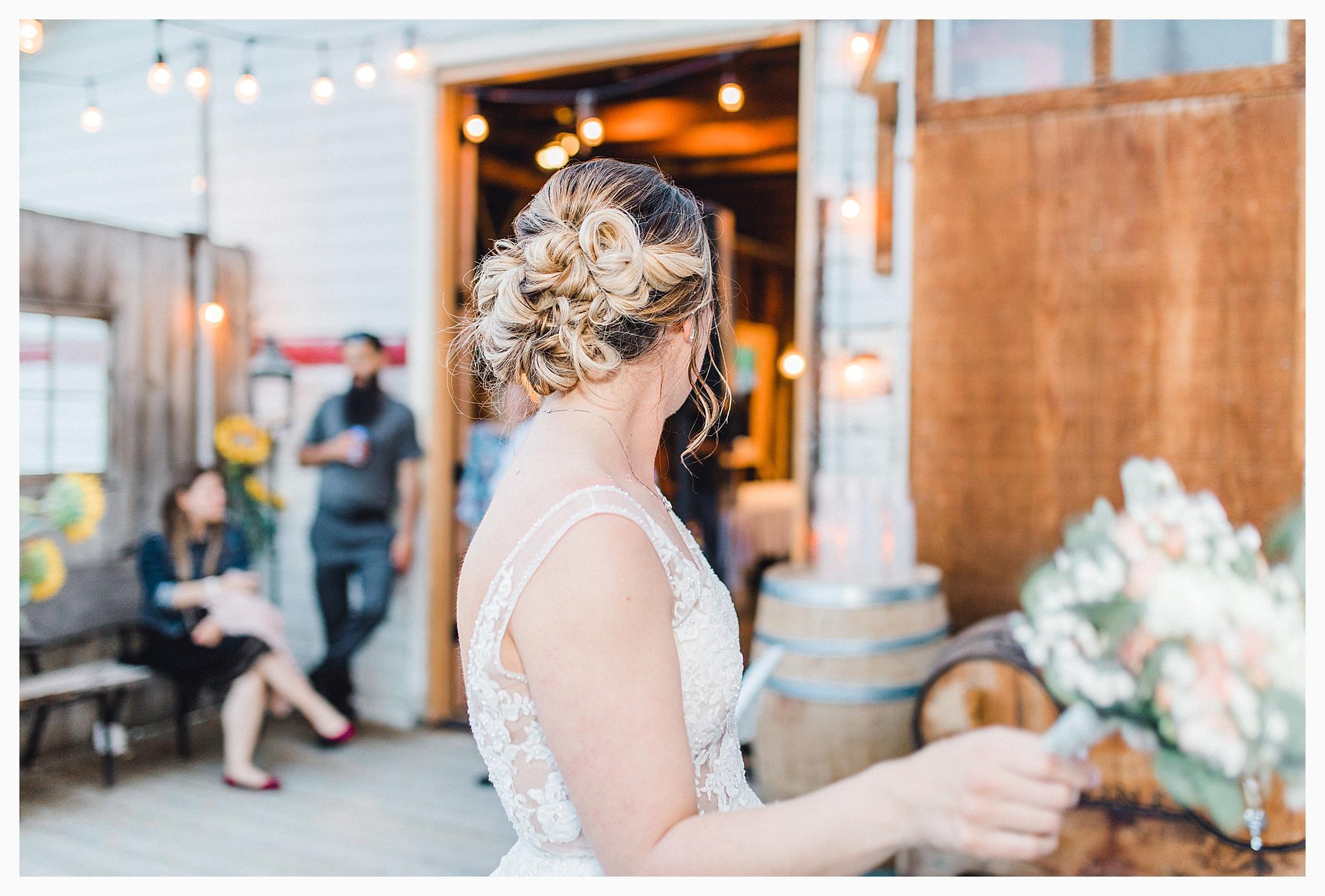 Rustic barn wedding in Wenatchee Washington at Sunshine Ranch on Easy Street, Emma Rose Company Seattle PNW Light and Airy Wedding Photographer_0128.jpg