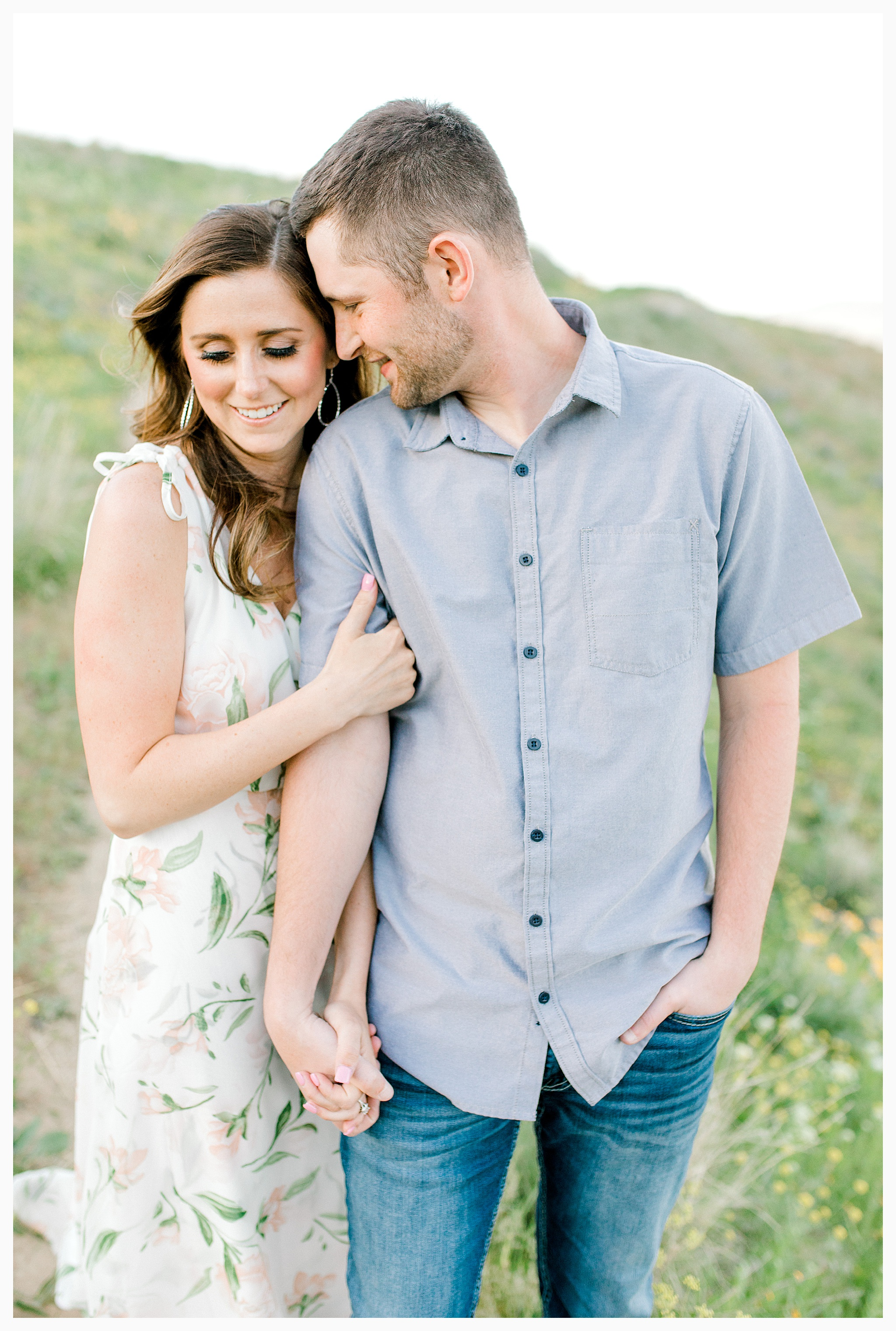 Engagement session amongst the wildflowers in Wenatchee, Washington | Engagement Session Outfit Inspiration for Wedding Photography with Emma Rose Company | Light and Airy PNW Photographer, Seattle Bride_0004.jpg