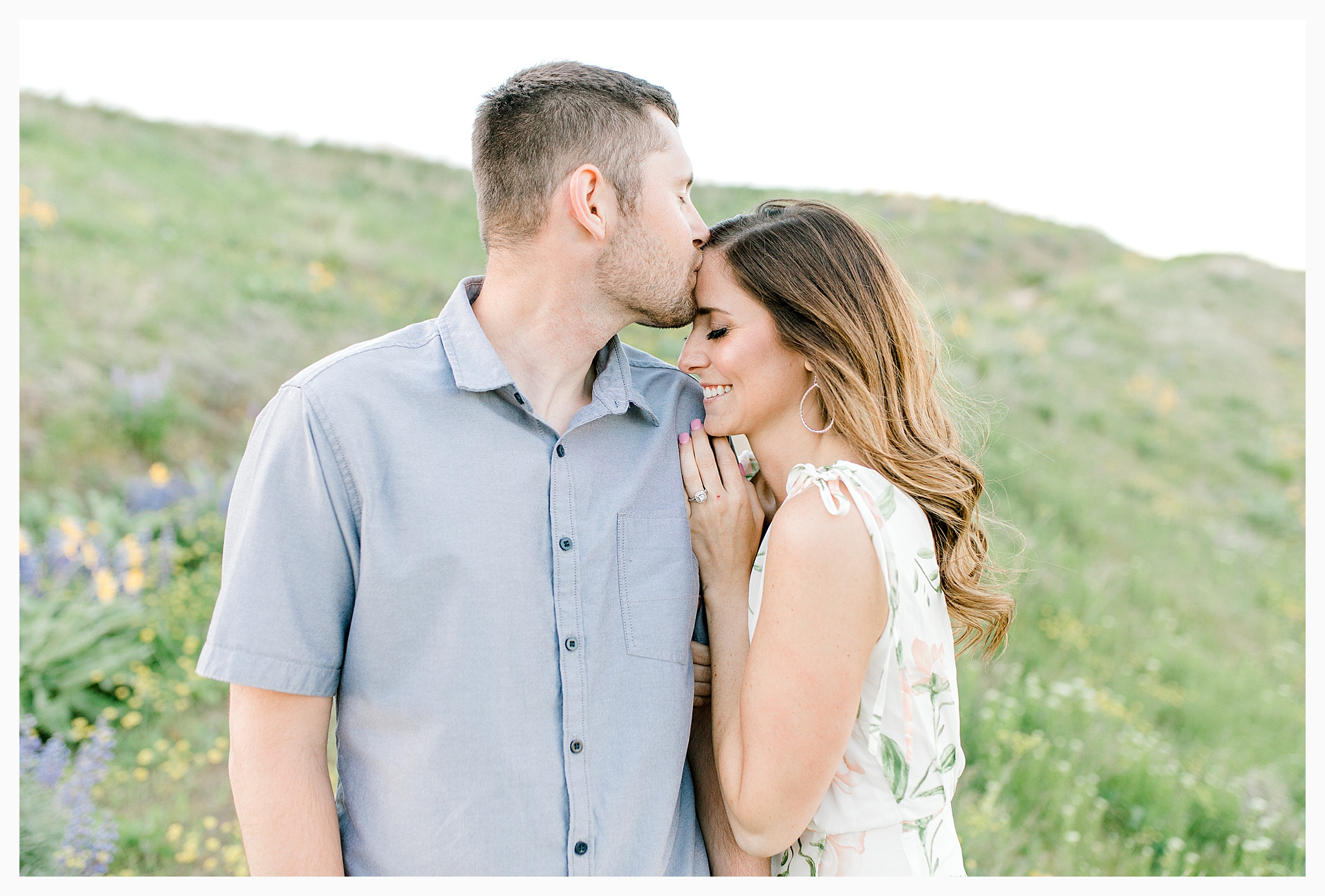 Engagement session amongst the wildflowers in Wenatchee, Washington | Engagement Session Outfit Inspiration for Wedding Photography with Emma Rose Company | Light and Airy PNW Photographer, Seattle Bride_0008.jpg
