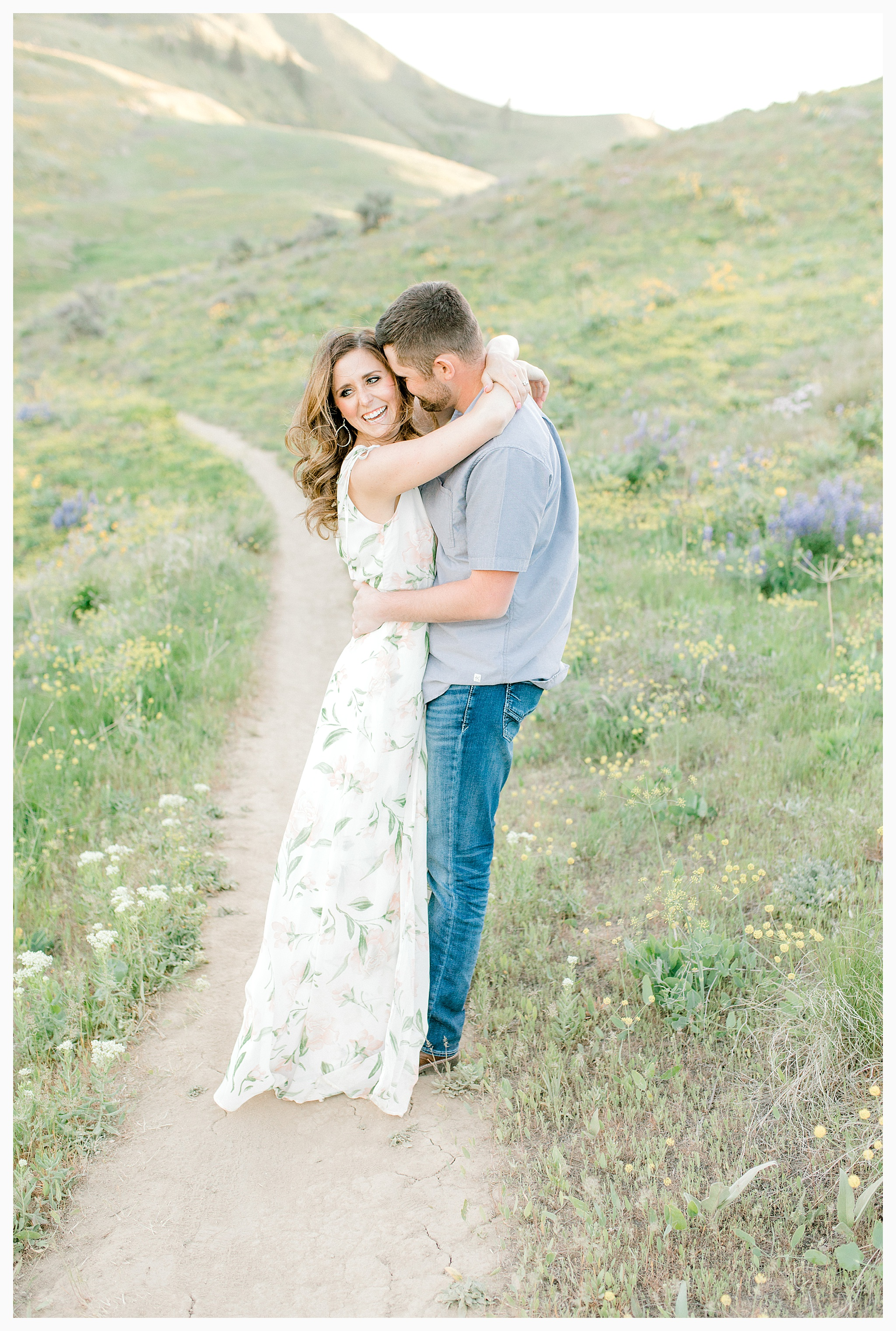 Engagement session amongst the wildflowers in Wenatchee, Washington | Engagement Session Outfit Inspiration for Wedding Photography with Emma Rose Company | Light and Airy PNW Photographer, Seattle Bride_0010.jpg