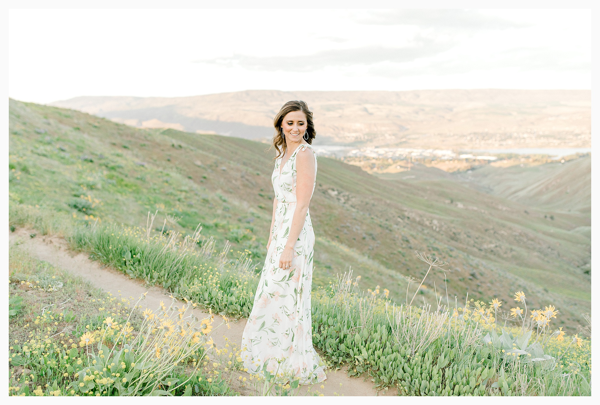 Engagement session amongst the wildflowers in Wenatchee, Washington | Engagement Session Outfit Inspiration for Wedding Photography with Emma Rose Company | Light and Airy PNW Photographer, Seattle Bride_0016.jpg