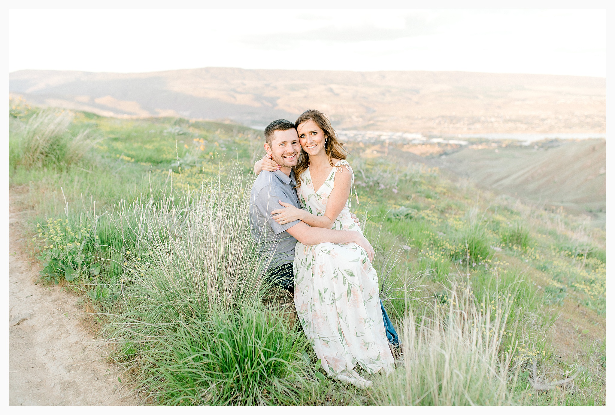 Engagement session amongst the wildflowers in Wenatchee, Washington | Engagement Session Outfit Inspiration for Wedding Photography with Emma Rose Company | Light and Airy PNW Photographer, Seattle Bride_0018.jpg