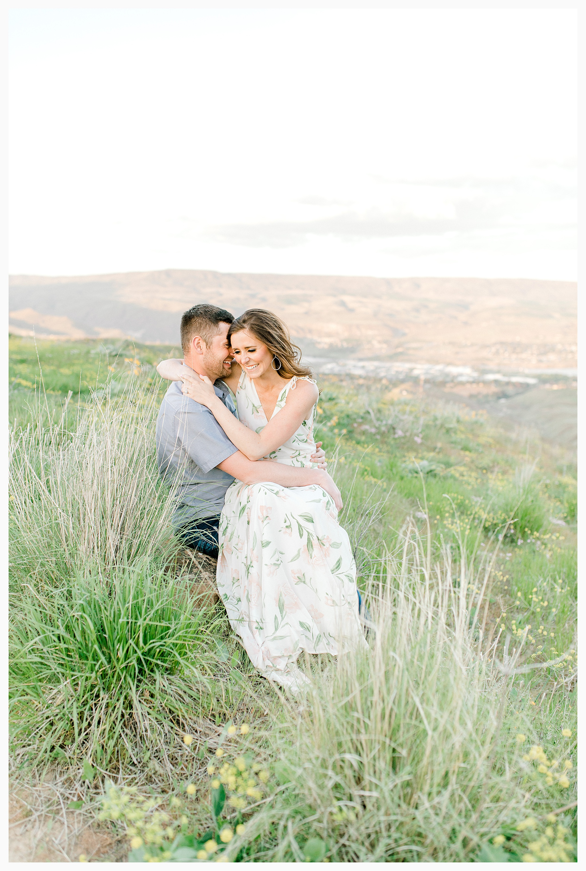 Engagement session amongst the wildflowers in Wenatchee, Washington | Engagement Session Outfit Inspiration for Wedding Photography with Emma Rose Company | Light and Airy PNW Photographer, Seattle Bride_0021.jpg
