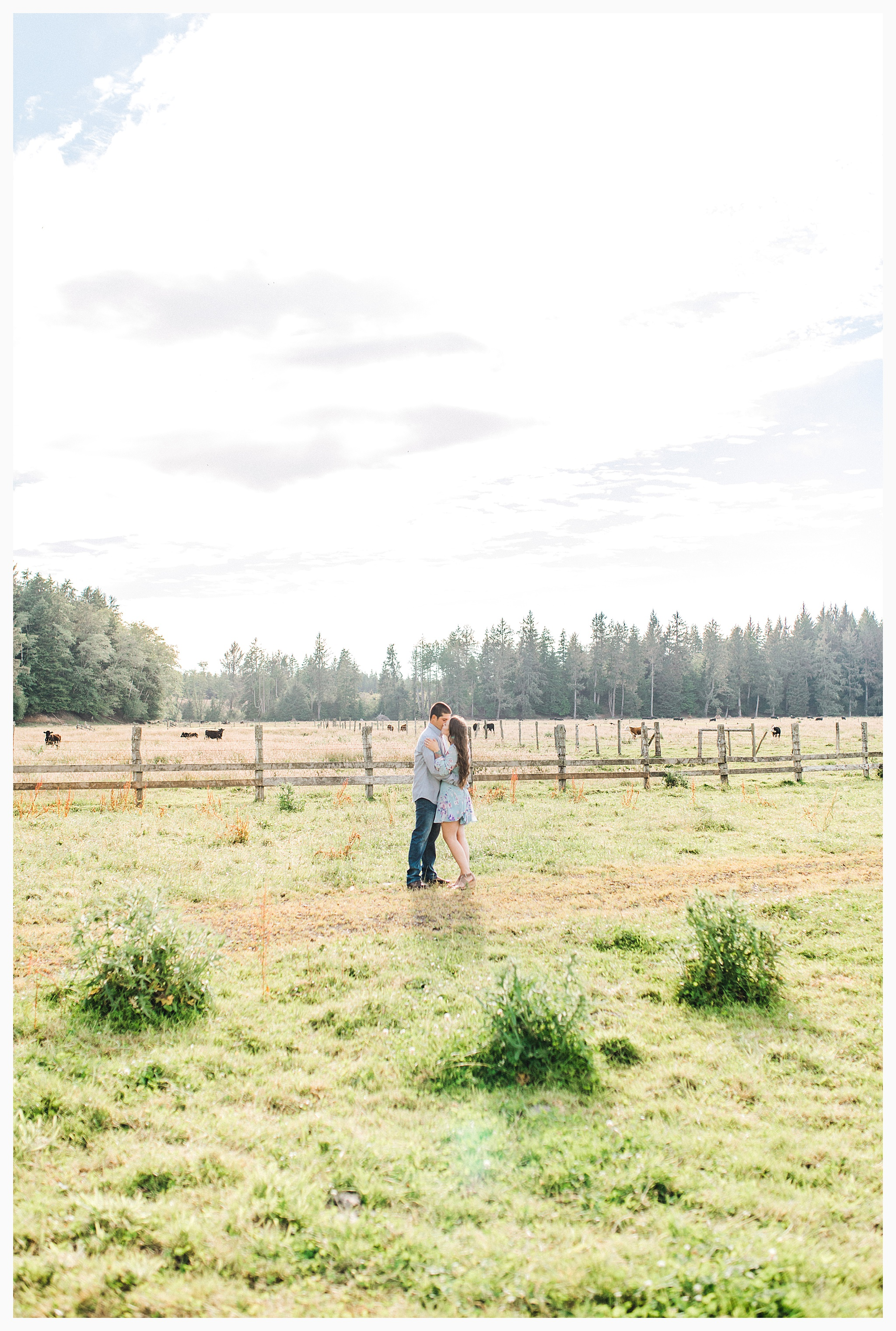 Beautiful evening engagement session on Rose Ranch, Emma Rose Company Seattle and Portland light and airy wedding and portrait photography, what to wear for pictures_0030.jpg