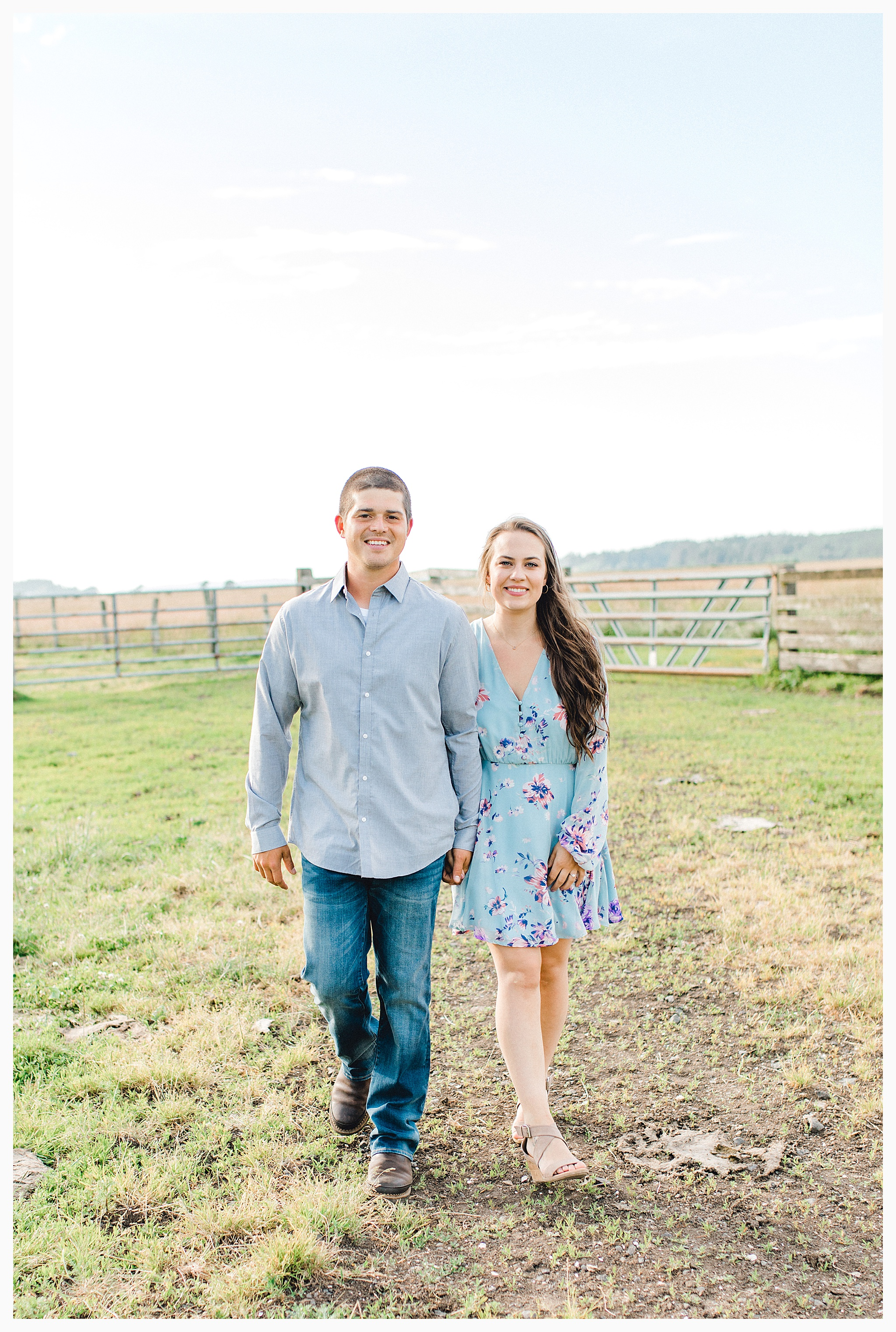 Beautiful evening engagement session on Rose Ranch, Emma Rose Company Seattle and Portland light and airy wedding and portrait photography, what to wear for pictures_0019.jpg