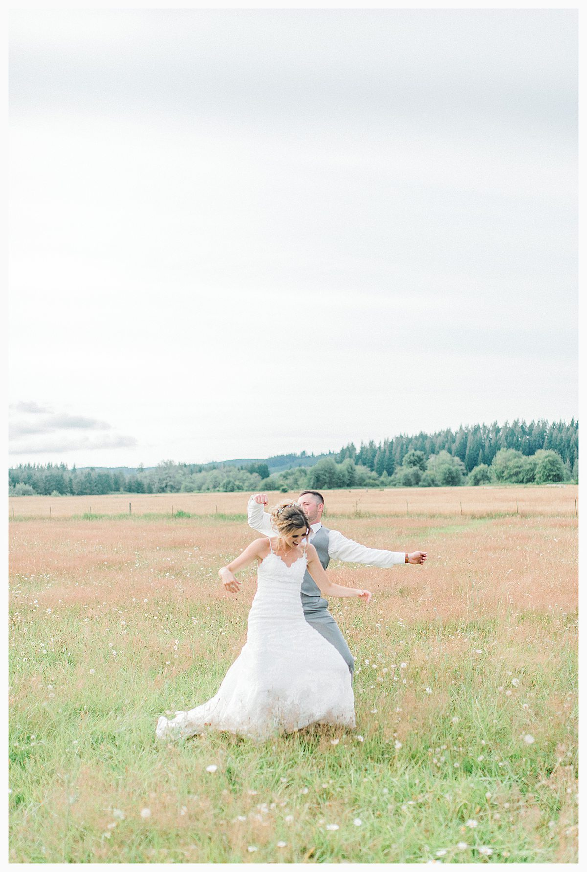 Rustic Coastal Blue Wedding in Southwest Washington, Emma Rose Company, Seattle and Portland Wedding Photographer, Light and Airy_0130.jpg