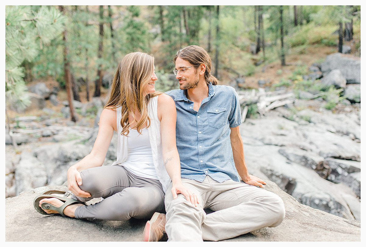 If you love the Pacific Northwest, Leavenworth, and gorgeous light and airy photography, you'll want to view this portrait session with Emma Rose Company. #pnw #leavenworth Find inspiration on what to wear to your photo session._0008.jpg