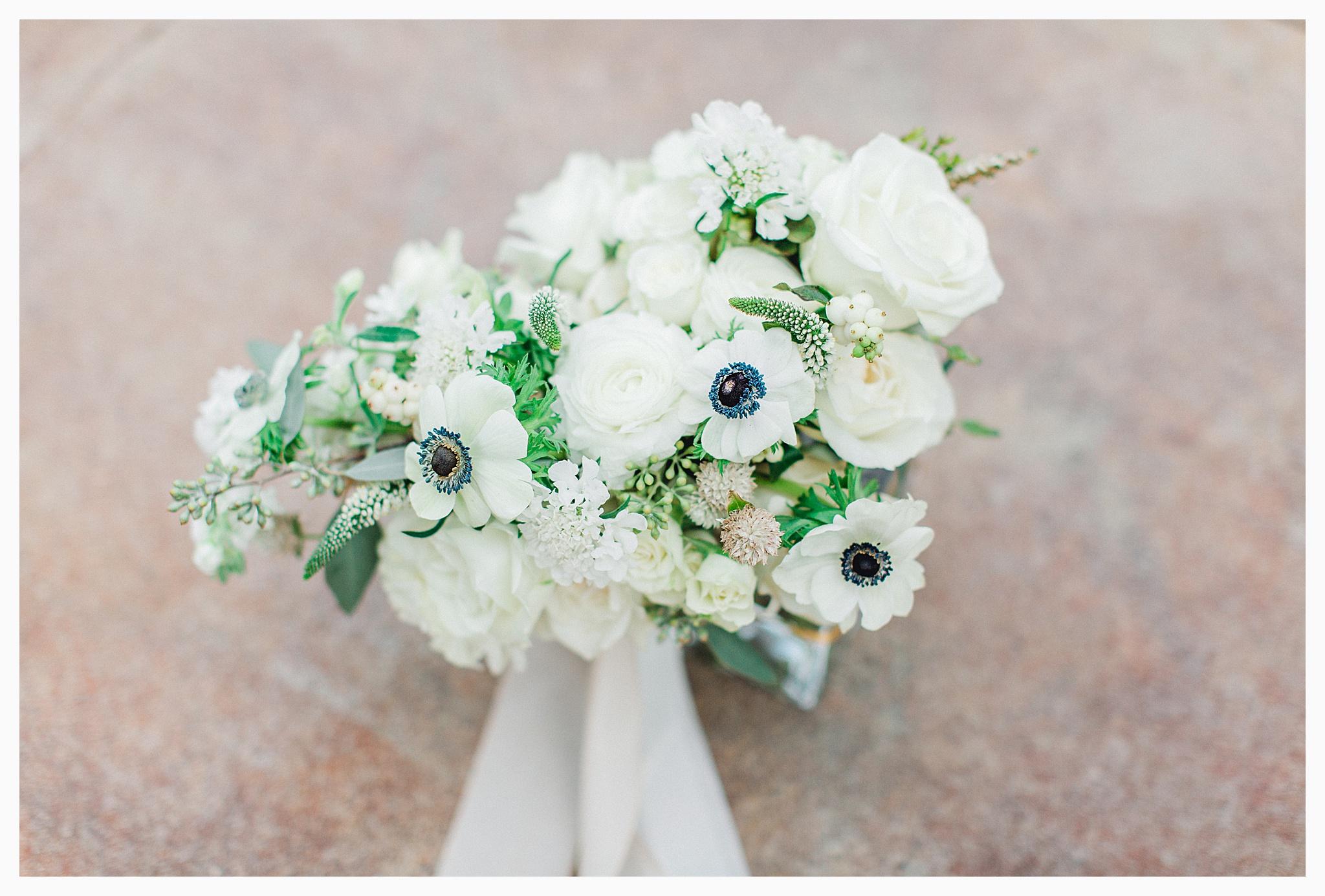 Emma Rose Company Light and Airy Wedding Photographer, Beautiful fall wedding at Rock Creek Gardens Venue in Puyallup, Washington._0002.jpg