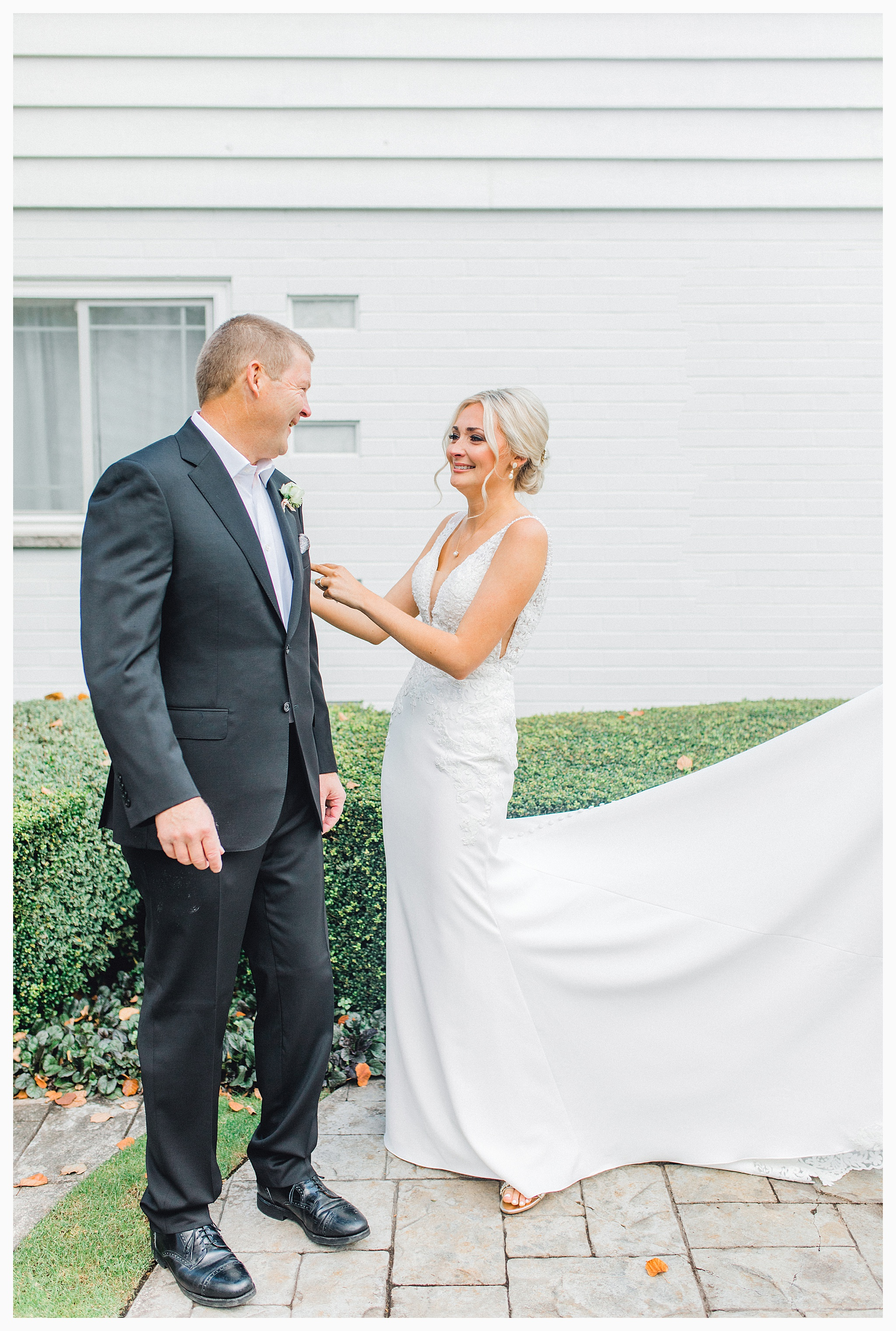 Emma Rose Company Light and Airy Wedding Photographer, Beautiful fall wedding at Rock Creek Gardens Venue in Puyallup, Washington._0019.jpg