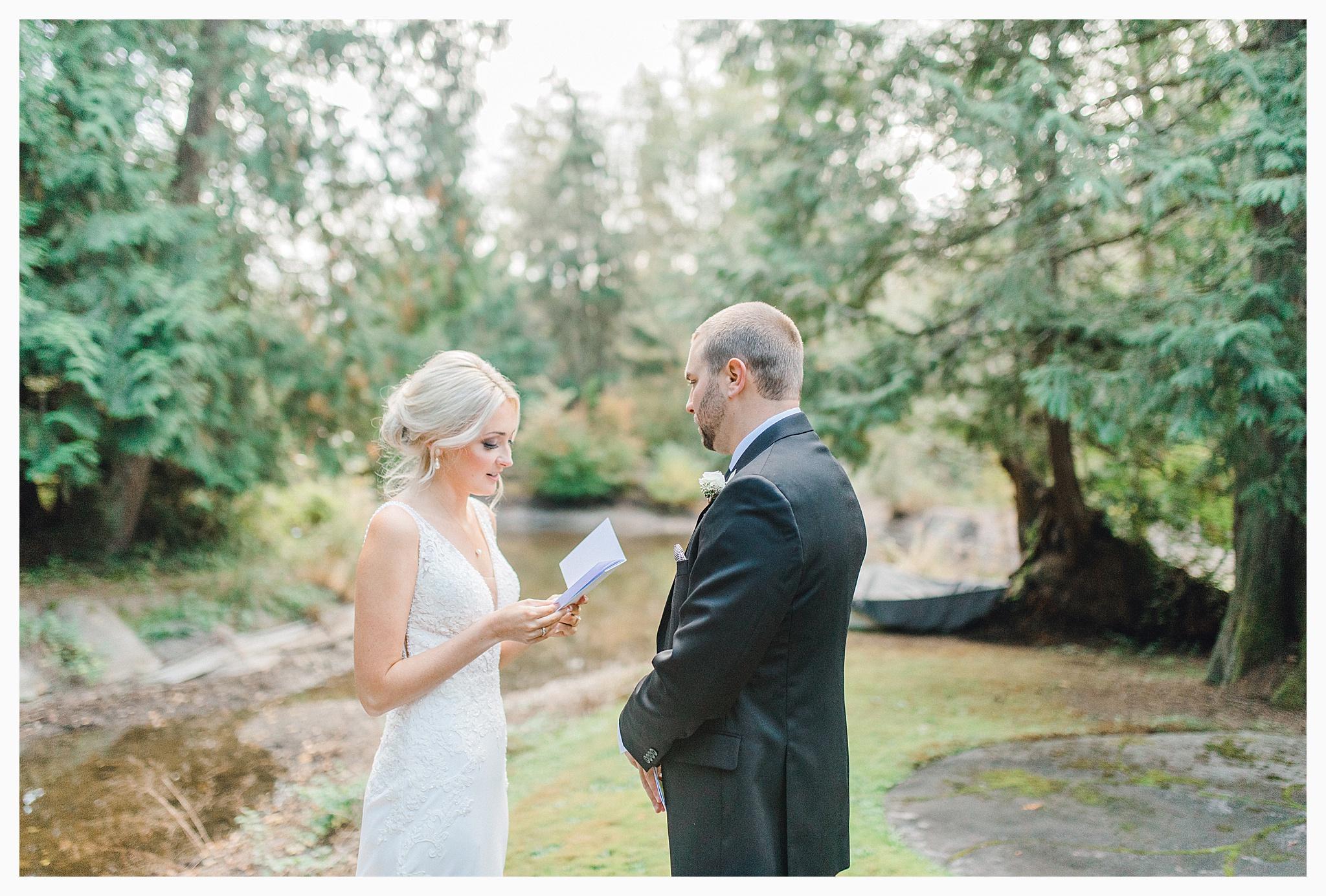Emma Rose Company Light and Airy Wedding Photographer, Beautiful fall wedding at Rock Creek Gardens Venue in Puyallup, Washington._0024.jpg