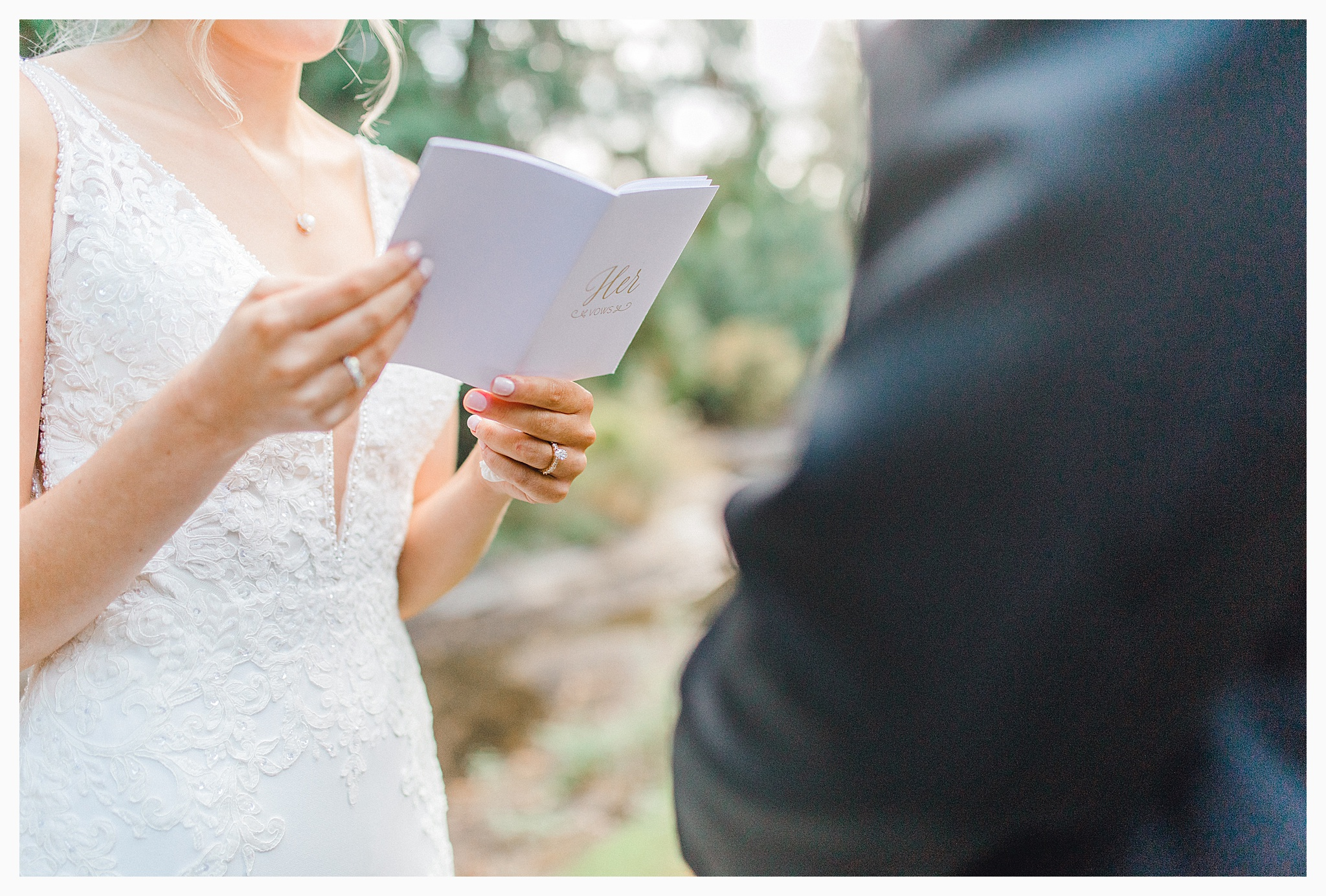 Emma Rose Company Light and Airy Wedding Photographer, Beautiful fall wedding at Rock Creek Gardens Venue in Puyallup, Washington._0025.jpg