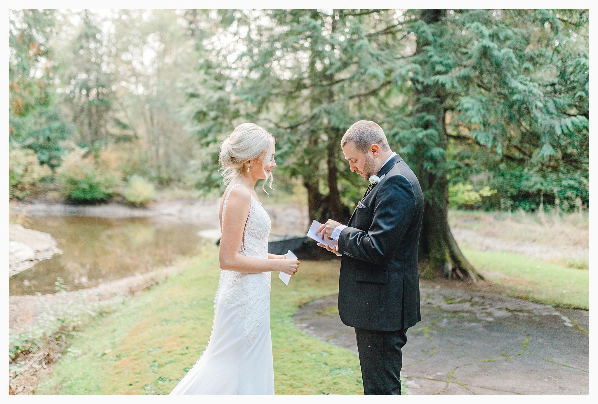 Emma Rose Company Light and Airy Wedding Photographer, Beautiful fall wedding at Rock Creek Gardens Venue in Puyallup, Washington._0029.jpg