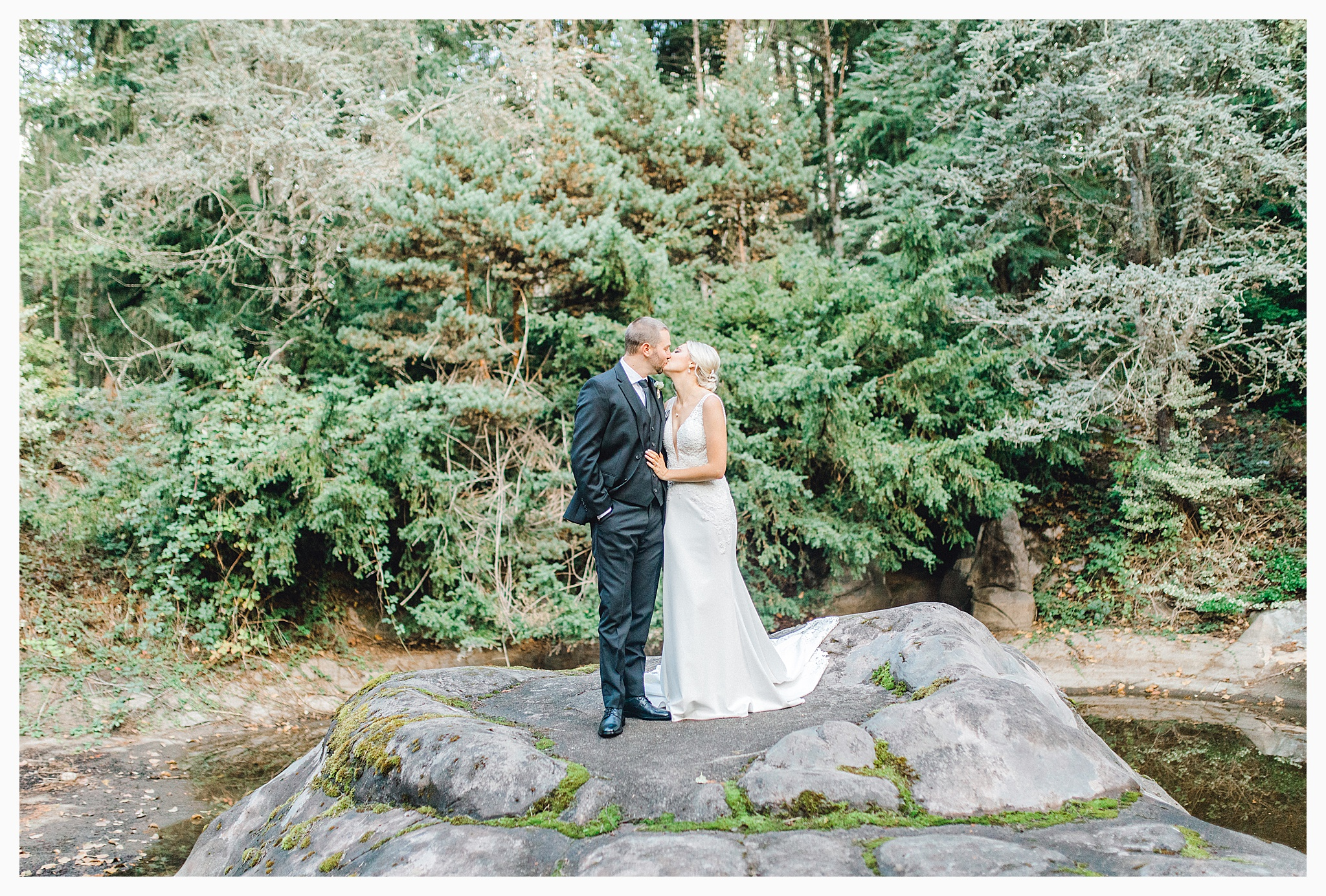 Emma Rose Company Light and Airy Wedding Photographer, Beautiful fall wedding at Rock Creek Gardens Venue in Puyallup, Washington._0037.jpg