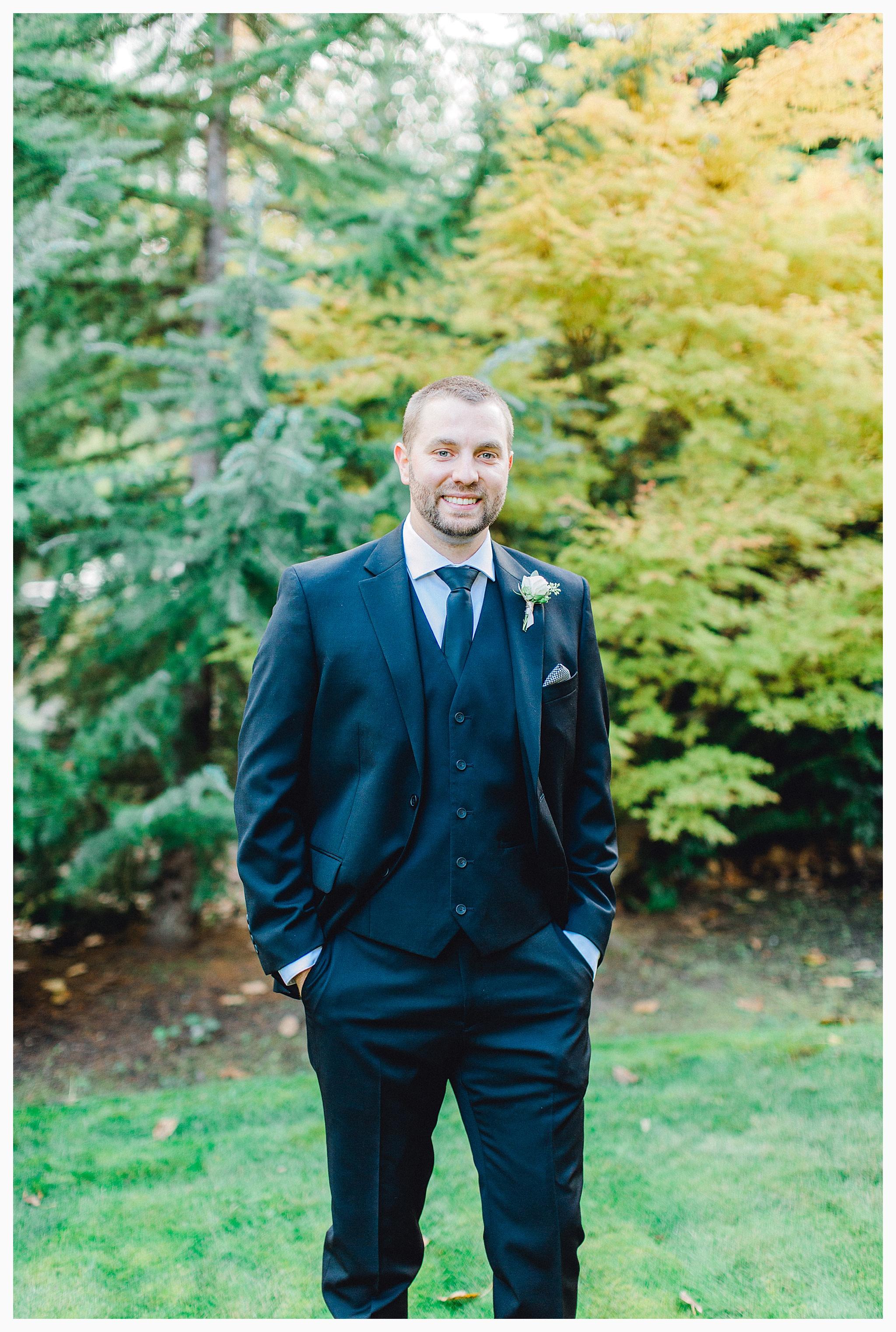 Emma Rose Company Light and Airy Wedding Photographer, Beautiful fall wedding at Rock Creek Gardens Venue in Puyallup, Washington._0040.jpg