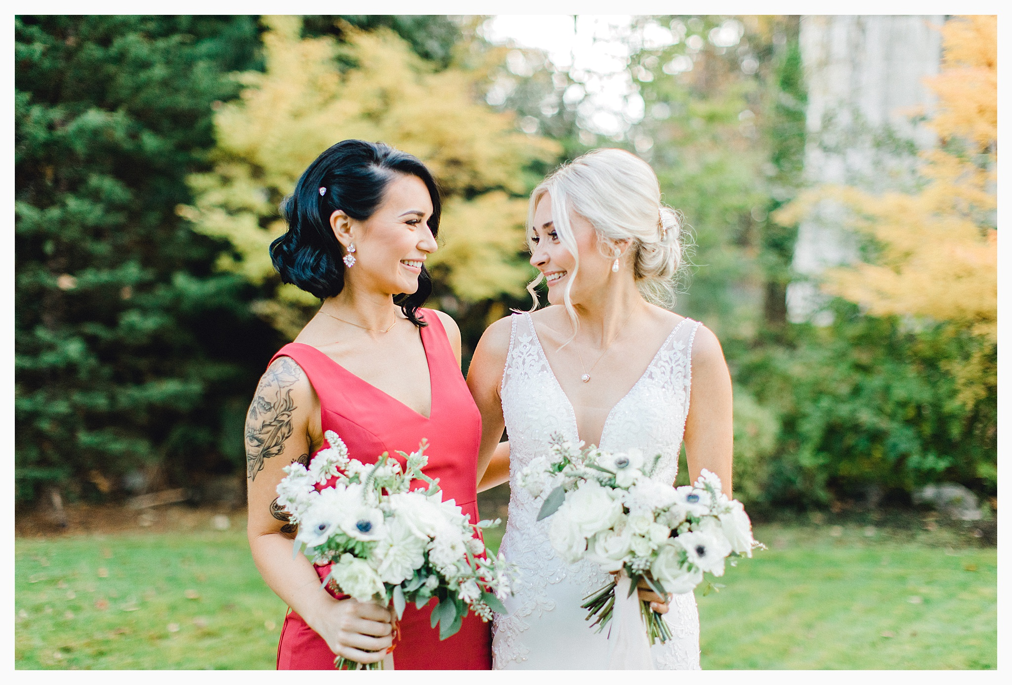 Emma Rose Company Light and Airy Wedding Photographer, Beautiful fall wedding at Rock Creek Gardens Venue in Puyallup, Washington._0044.jpg