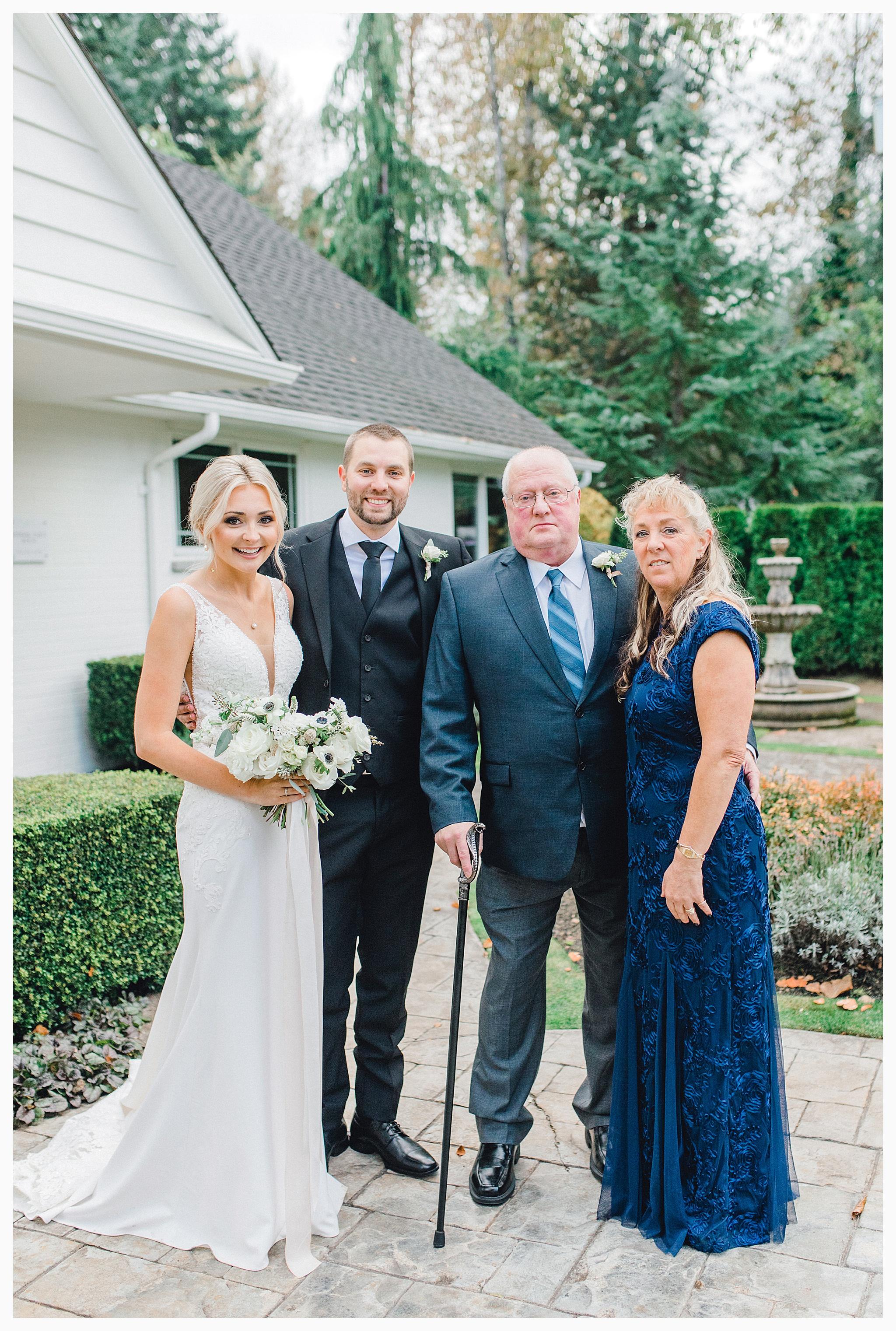 Emma Rose Company Light and Airy Wedding Photographer, Beautiful fall wedding at Rock Creek Gardens Venue in Puyallup, Washington._0063.jpg