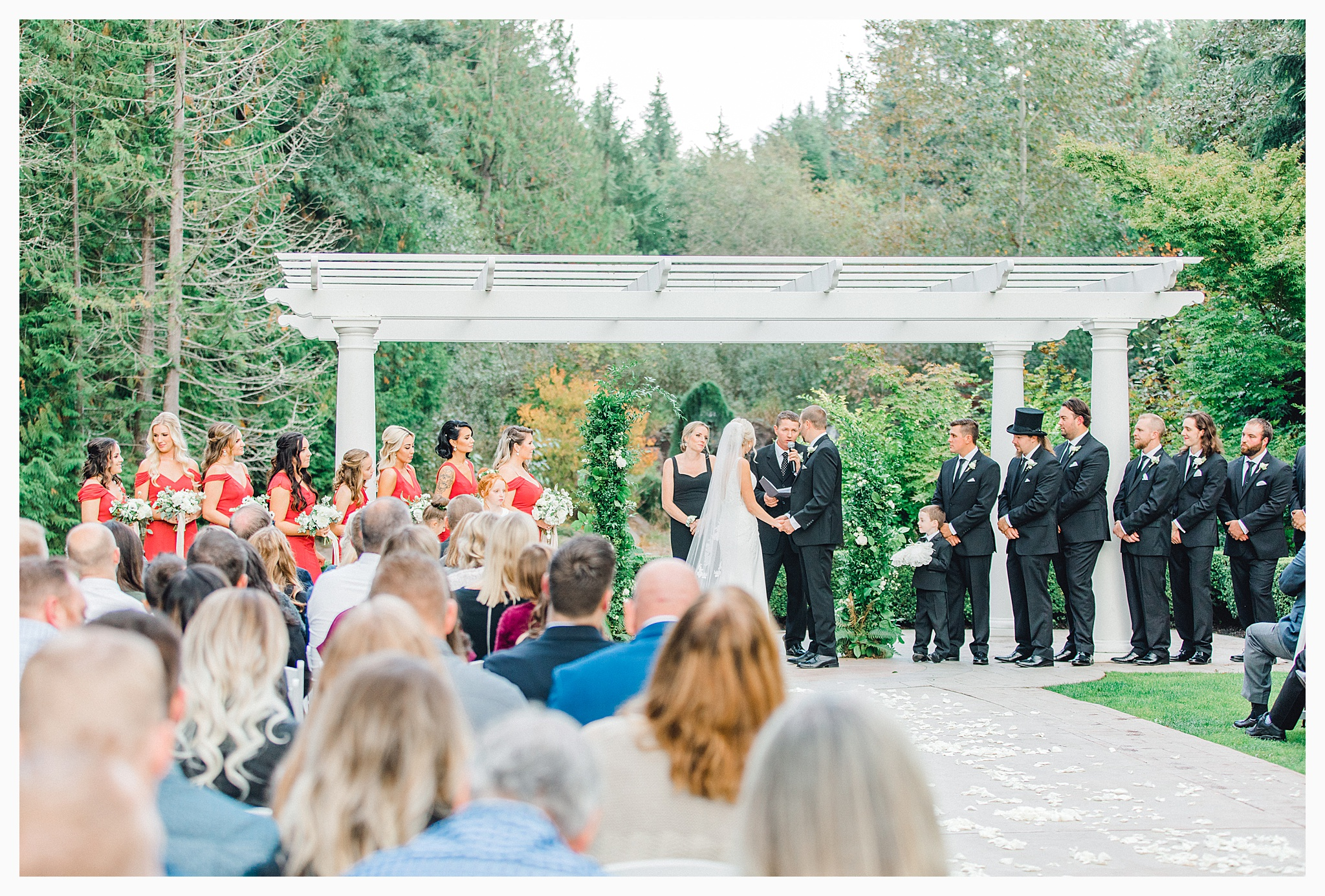 Emma Rose Company Light and Airy Wedding Photographer, Beautiful fall wedding at Rock Creek Gardens Venue in Puyallup, Washington._0078.jpg