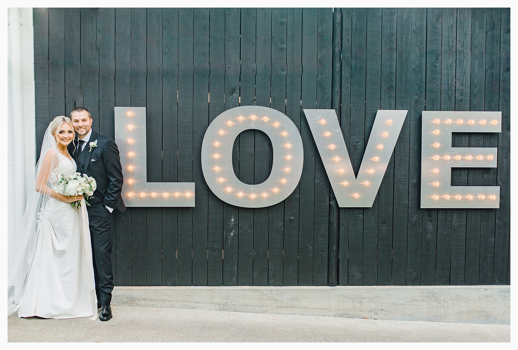 Emma Rose Company Light and Airy Wedding Photographer, Beautiful fall wedding at Rock Creek Gardens Venue in Puyallup, Washington._0082.jpg