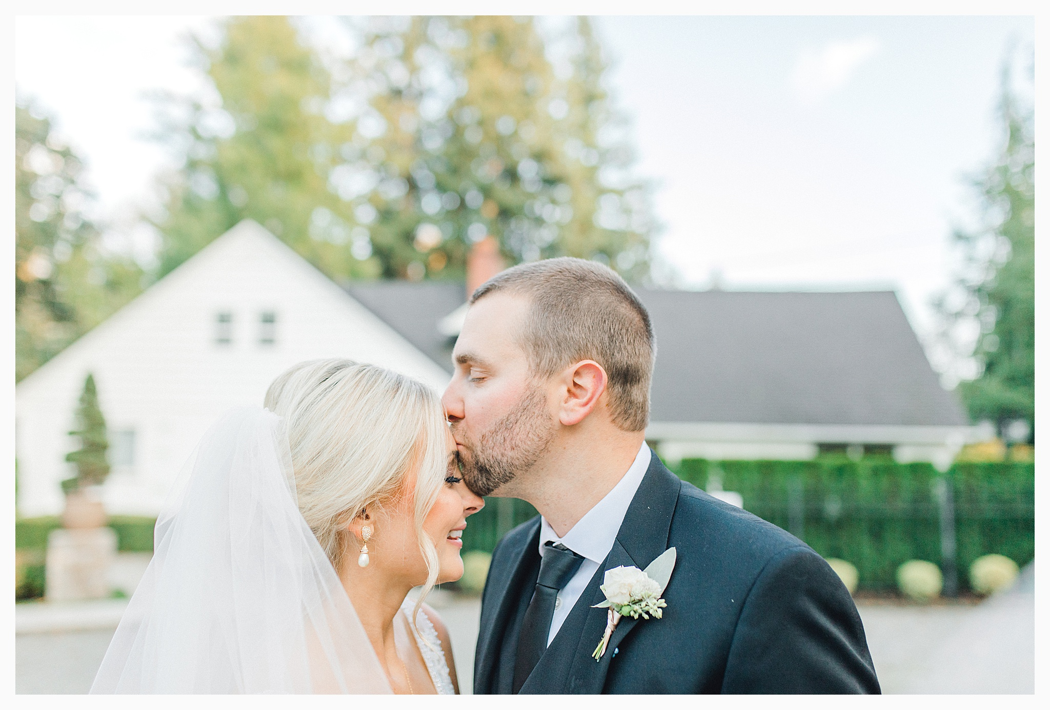 Emma Rose Company Light and Airy Wedding Photographer, Beautiful fall wedding at Rock Creek Gardens Venue in Puyallup, Washington._0088.jpg