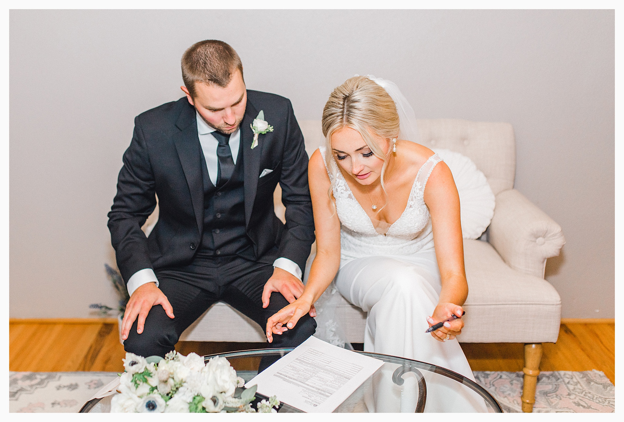 Emma Rose Company Light and Airy Wedding Photographer, Beautiful fall wedding at Rock Creek Gardens Venue in Puyallup, Washington._0090.jpg