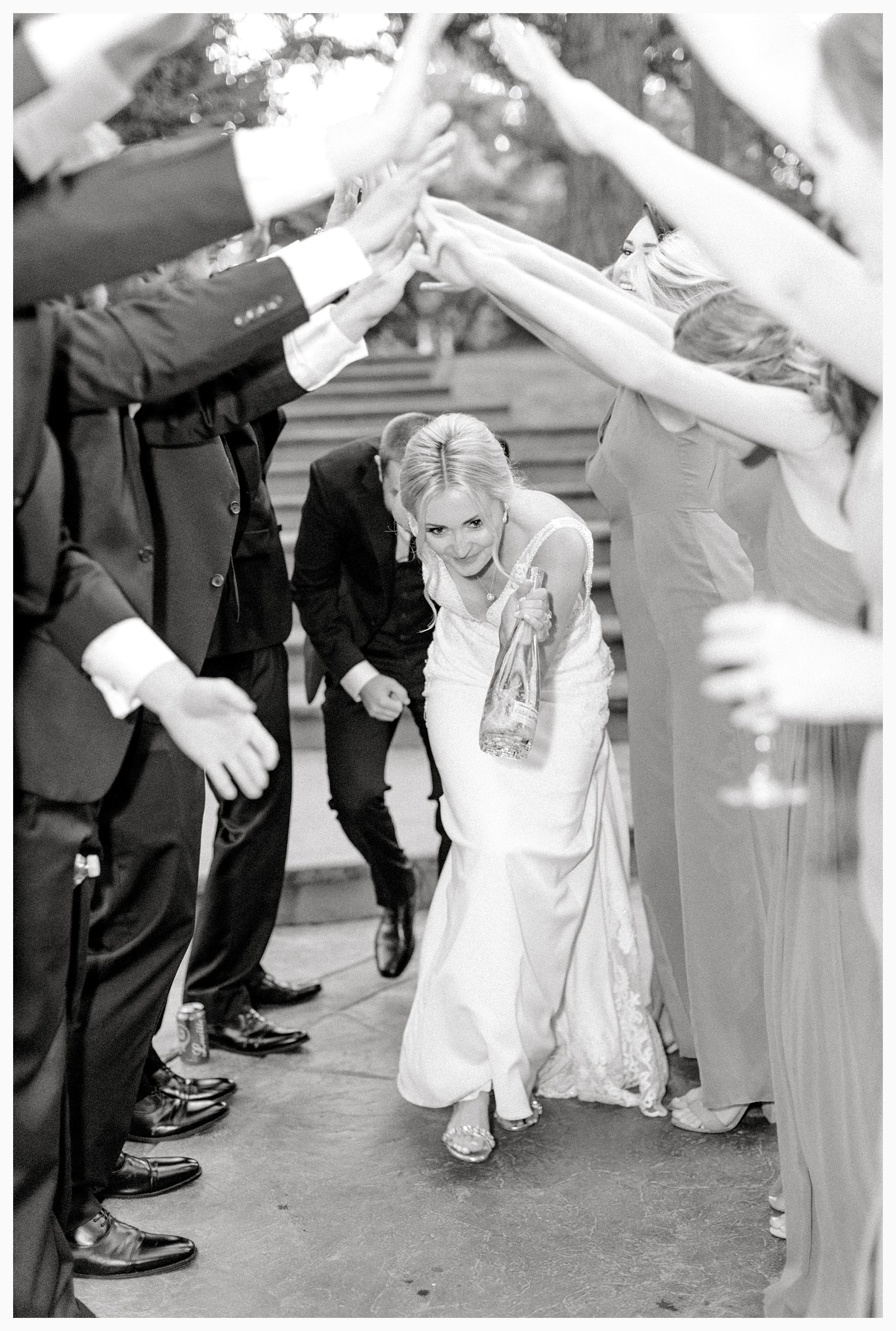 Emma Rose Company Light and Airy Wedding Photographer, Beautiful fall wedding at Rock Creek Gardens Venue in Puyallup, Washington._0094.jpg