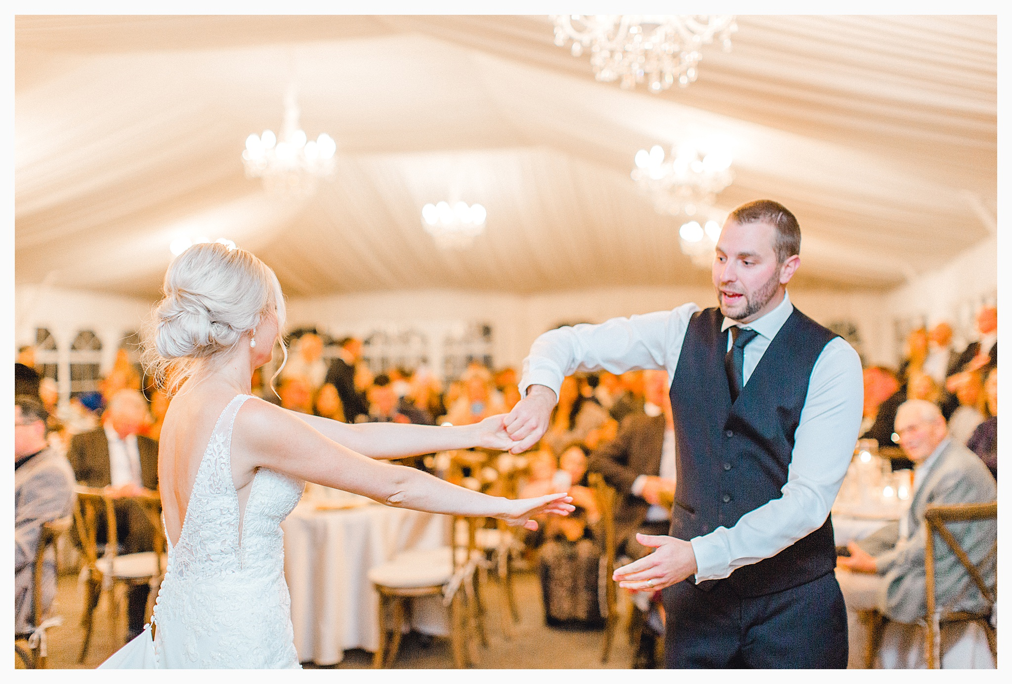 Emma Rose Company Light and Airy Wedding Photographer, Beautiful fall wedding at Rock Creek Gardens Venue in Puyallup, Washington._0106.jpg